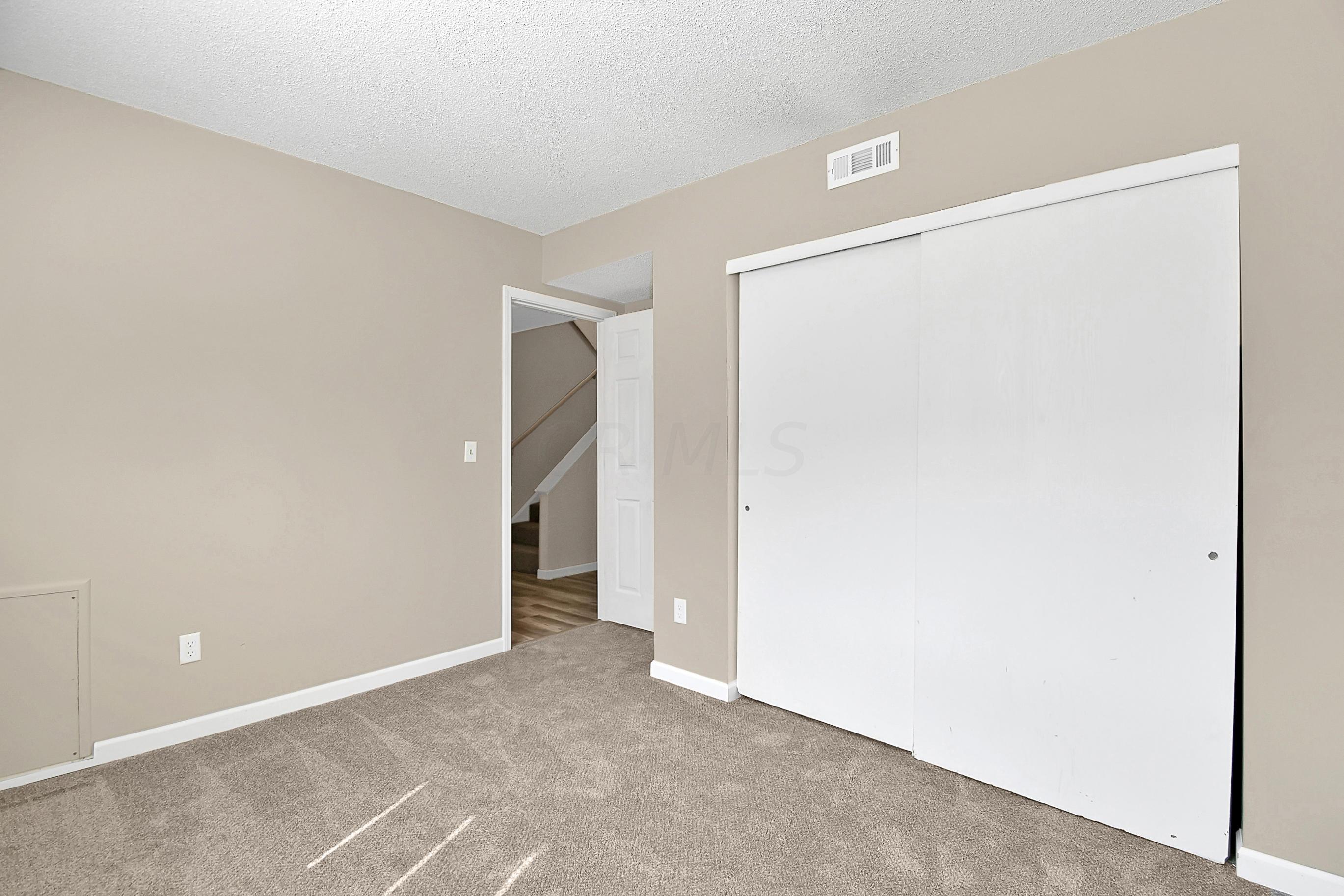 7661 Flynnway Drive, Worthington, Ohio 43085, 3 Bedrooms Bedrooms, ,2 BathroomsBathrooms,Residential,For Sale,Flynnway,220025494