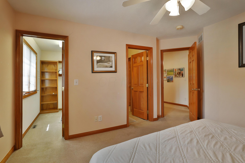 6008 Heritage Lakes Drive, Hilliard, Ohio 43026, 5 Bedrooms Bedrooms, ,5 BathroomsBathrooms,Residential,For Sale,Heritage Lakes,220025483