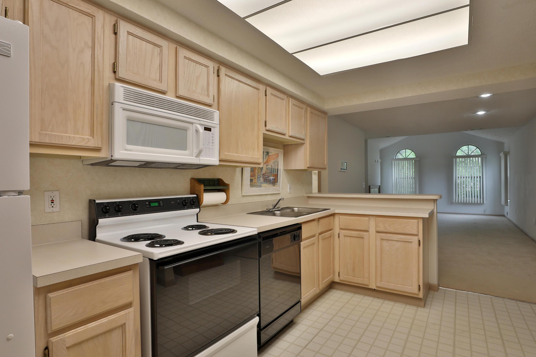 6806 Villabrook Drive, Columbus, Ohio 43235, 3 Bedrooms Bedrooms, ,3 BathroomsBathrooms,Residential,For Sale,Villabrook,220025680