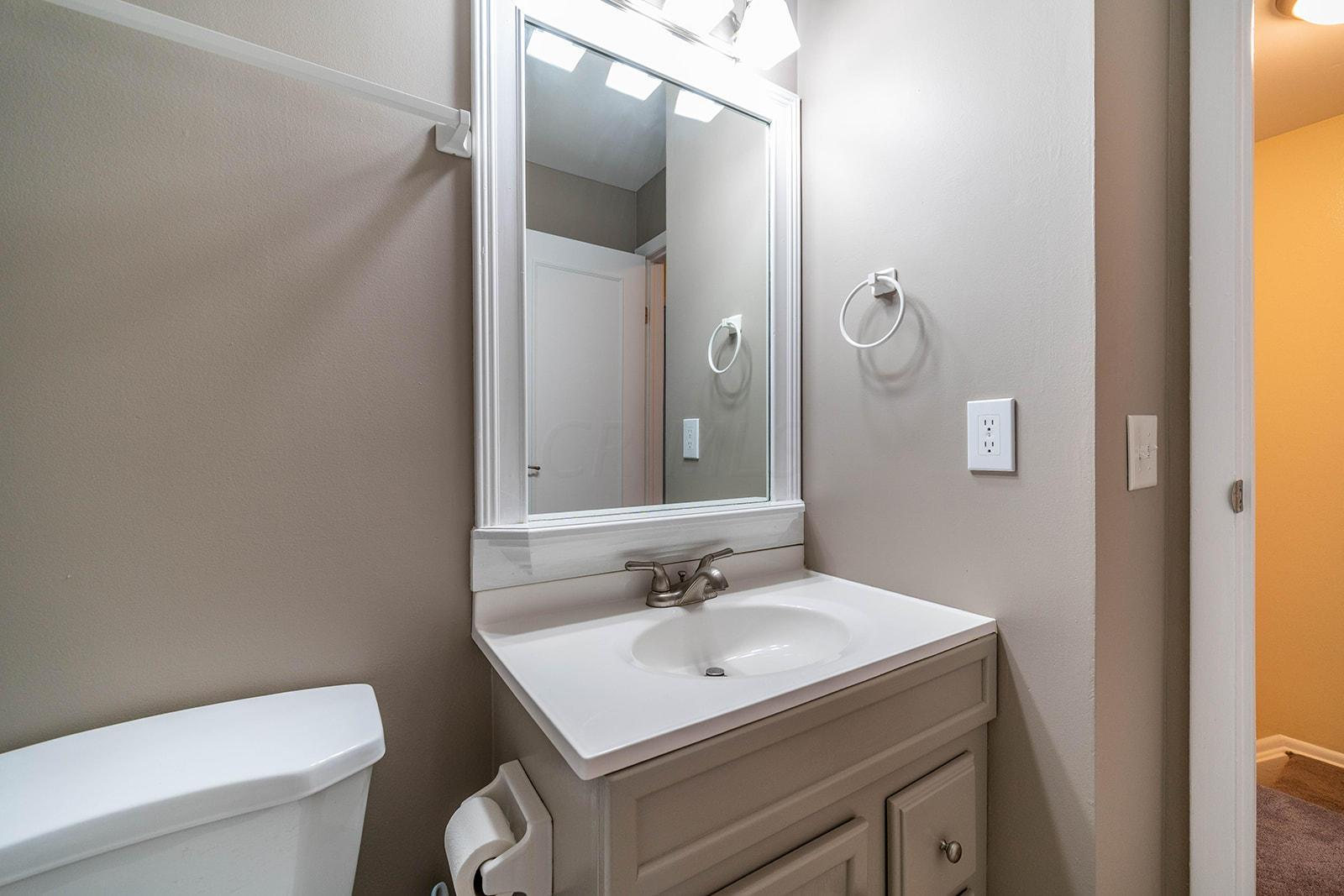 2597 Olde Hill Court, Columbus, Ohio 43221, 2 Bedrooms Bedrooms, ,2 BathroomsBathrooms,Residential,For Sale,Olde Hill,220025410