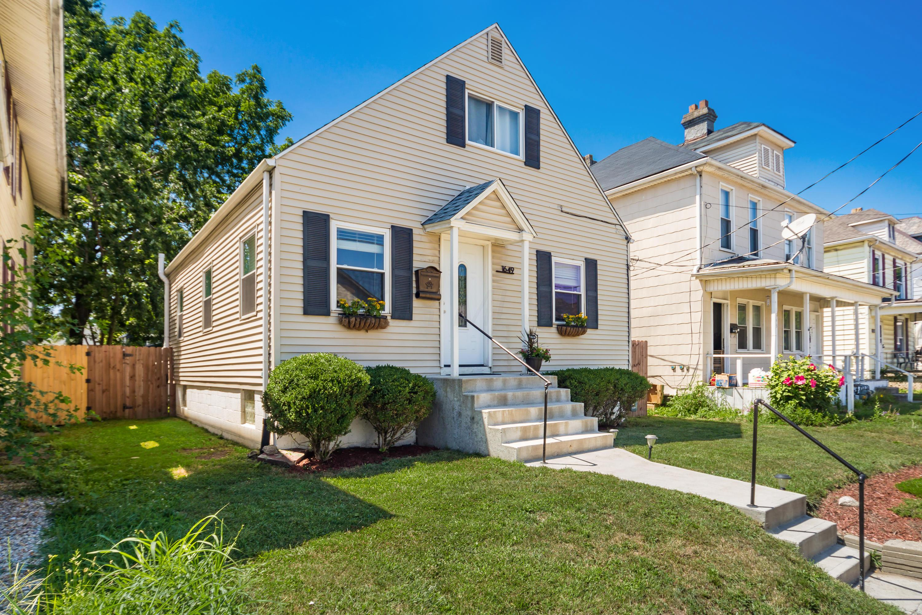1649 4th Street, Columbus, Ohio 43207, 3 Bedrooms Bedrooms, ,1 BathroomBathrooms,Residential,For Sale,4th,220025623