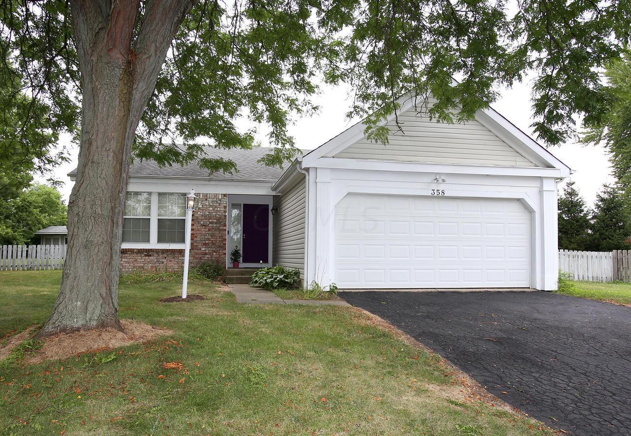 358 Greenwold Court, Columbus, Ohio 43235, 3 Bedrooms Bedrooms, ,2 BathroomsBathrooms,Residential,For Sale,Greenwold,220025722