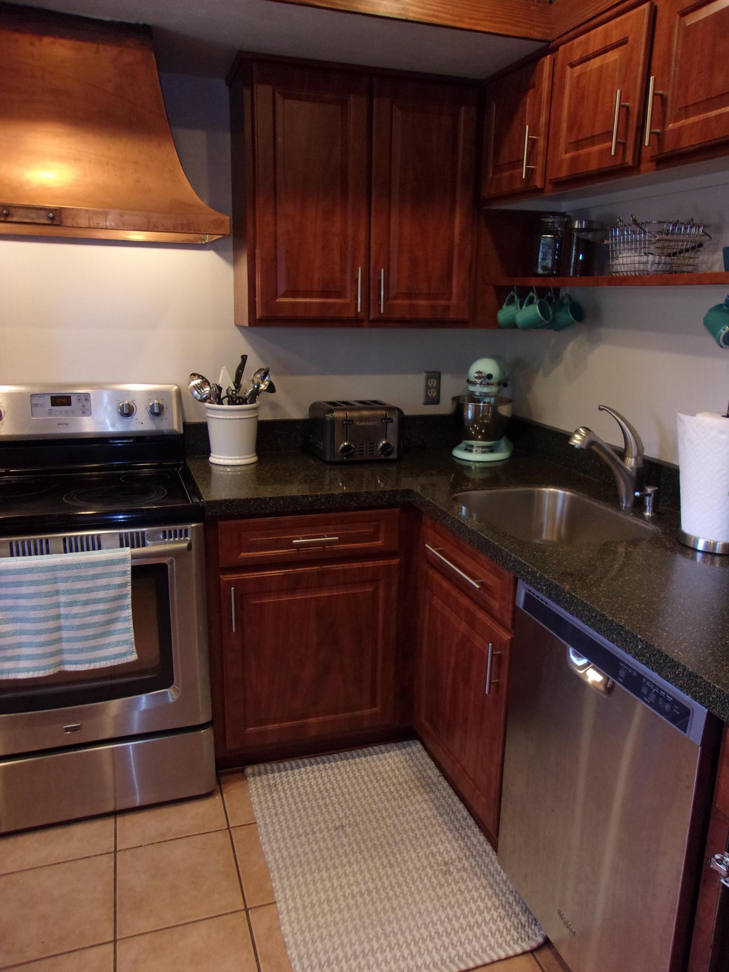 1501 Lafayette Drive, Columbus, Ohio 43220, 2 Bedrooms Bedrooms, ,2 BathroomsBathrooms,Residential,For Sale,Lafayette,220025728