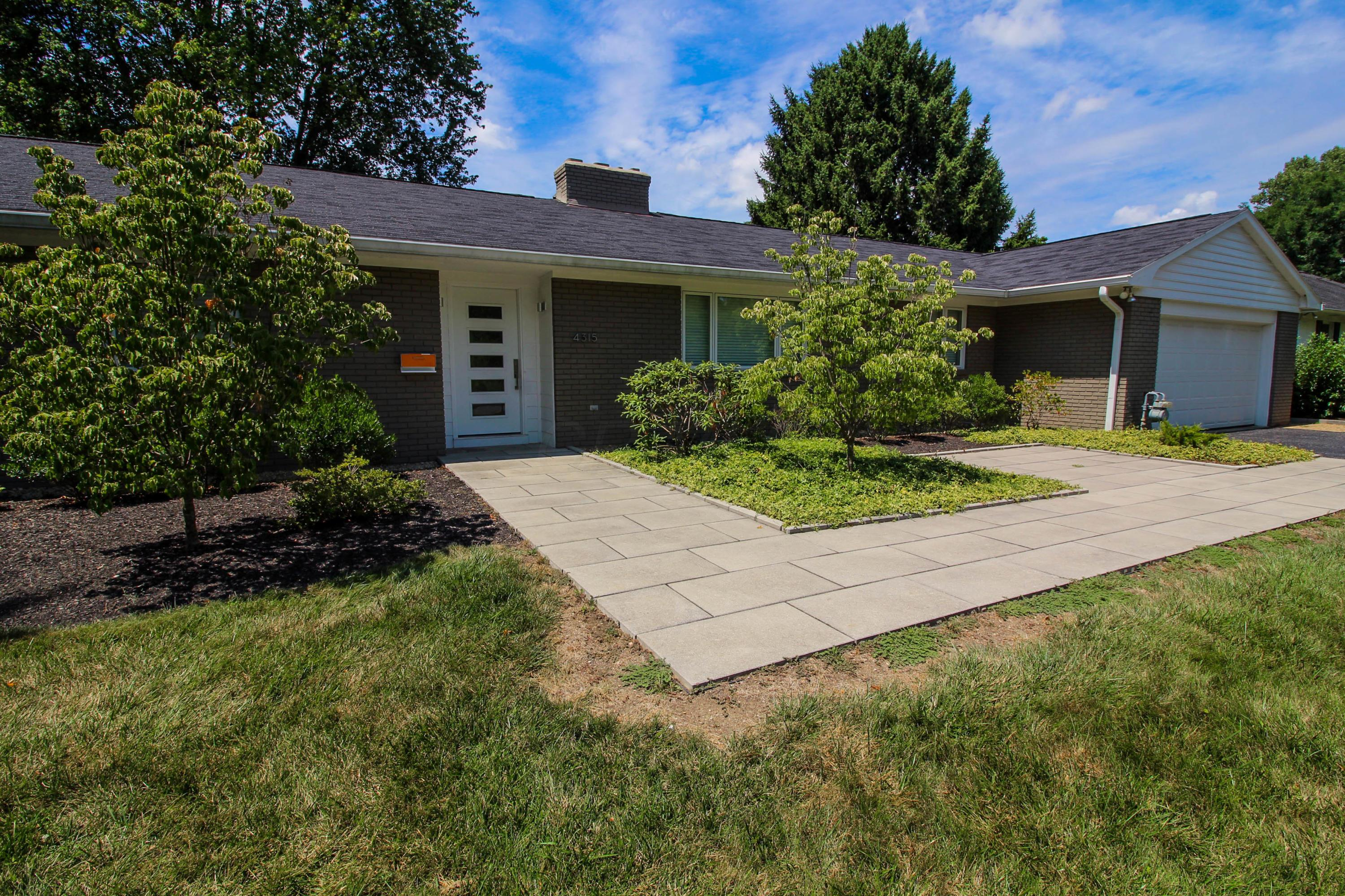 4315 Shelbourne Lane, Columbus, Ohio 43220, 3 Bedrooms Bedrooms, ,2 BathroomsBathrooms,Residential,For Sale,Shelbourne,220025744