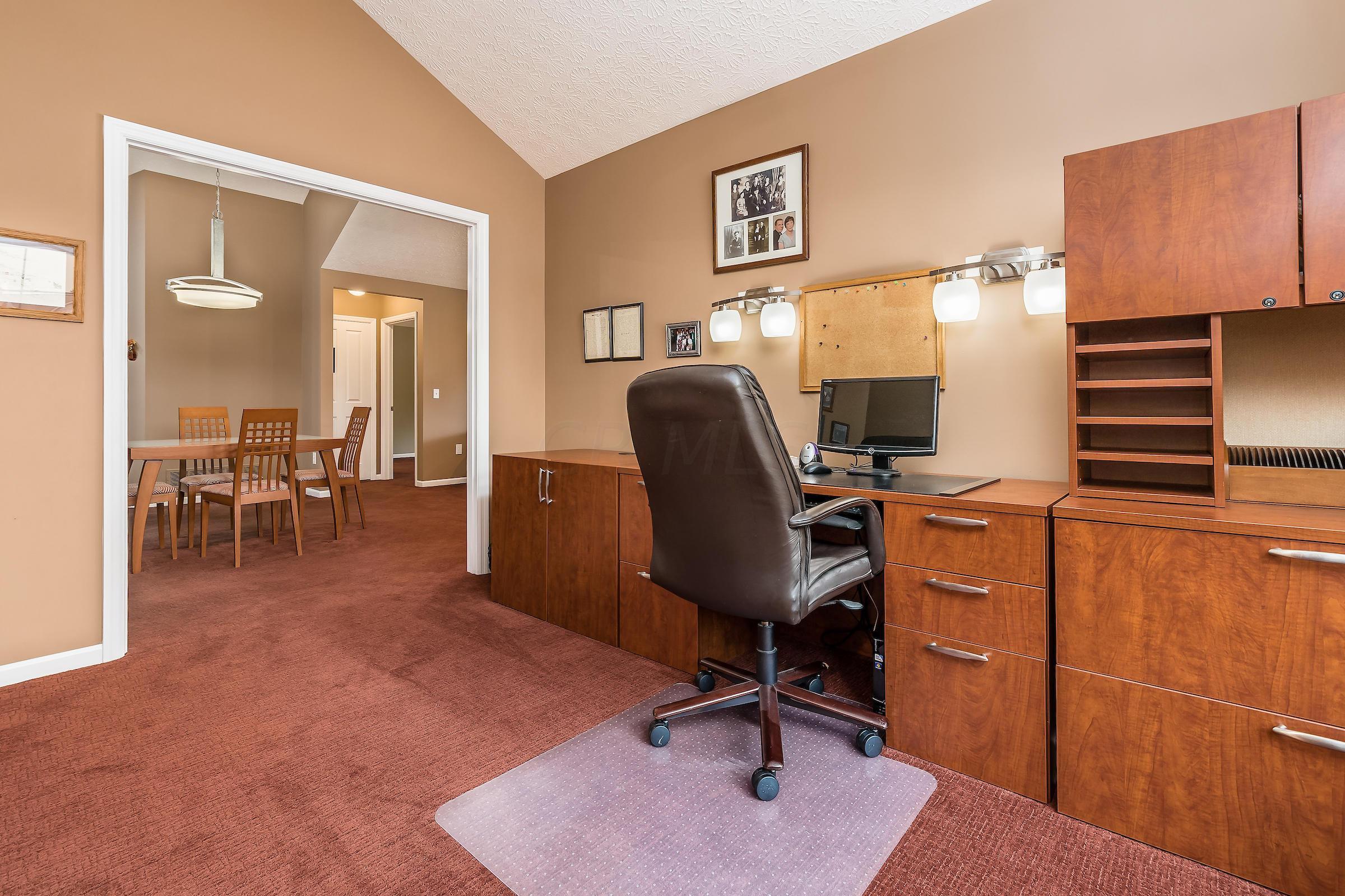 6254 BRICKSIDE Drive, New Albany, Ohio 43054, 2 Bedrooms Bedrooms, ,2 BathroomsBathrooms,Residential,For Sale,BRICKSIDE,220025817