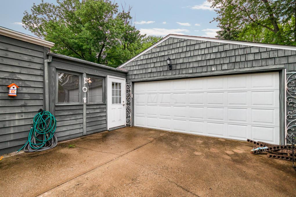 4756 Hillcrest Street, Hilliard, Ohio 43026, 3 Bedrooms Bedrooms, ,1 BathroomBathrooms,Residential,For Sale,Hillcrest,220025762
