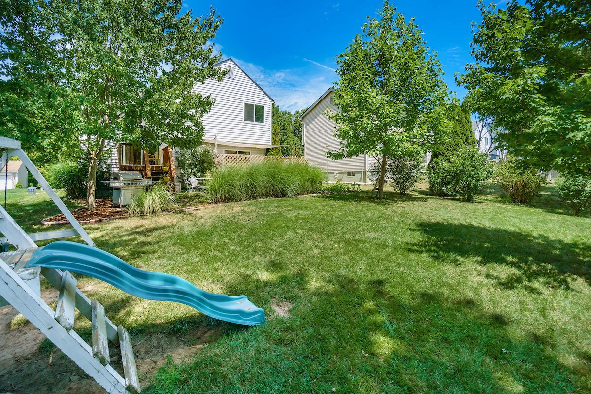 3861 Deer Knoll Drive, Columbus, Ohio 43230, 3 Bedrooms Bedrooms, ,3 BathroomsBathrooms,Residential,For Sale,Deer Knoll,220025793
