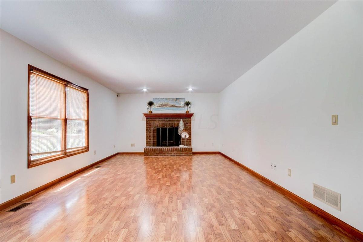 4733 Coolbrook Drive, Hilliard, Ohio 43026, 4 Bedrooms Bedrooms, ,3 BathroomsBathrooms,Residential,For Sale,Coolbrook,220025830
