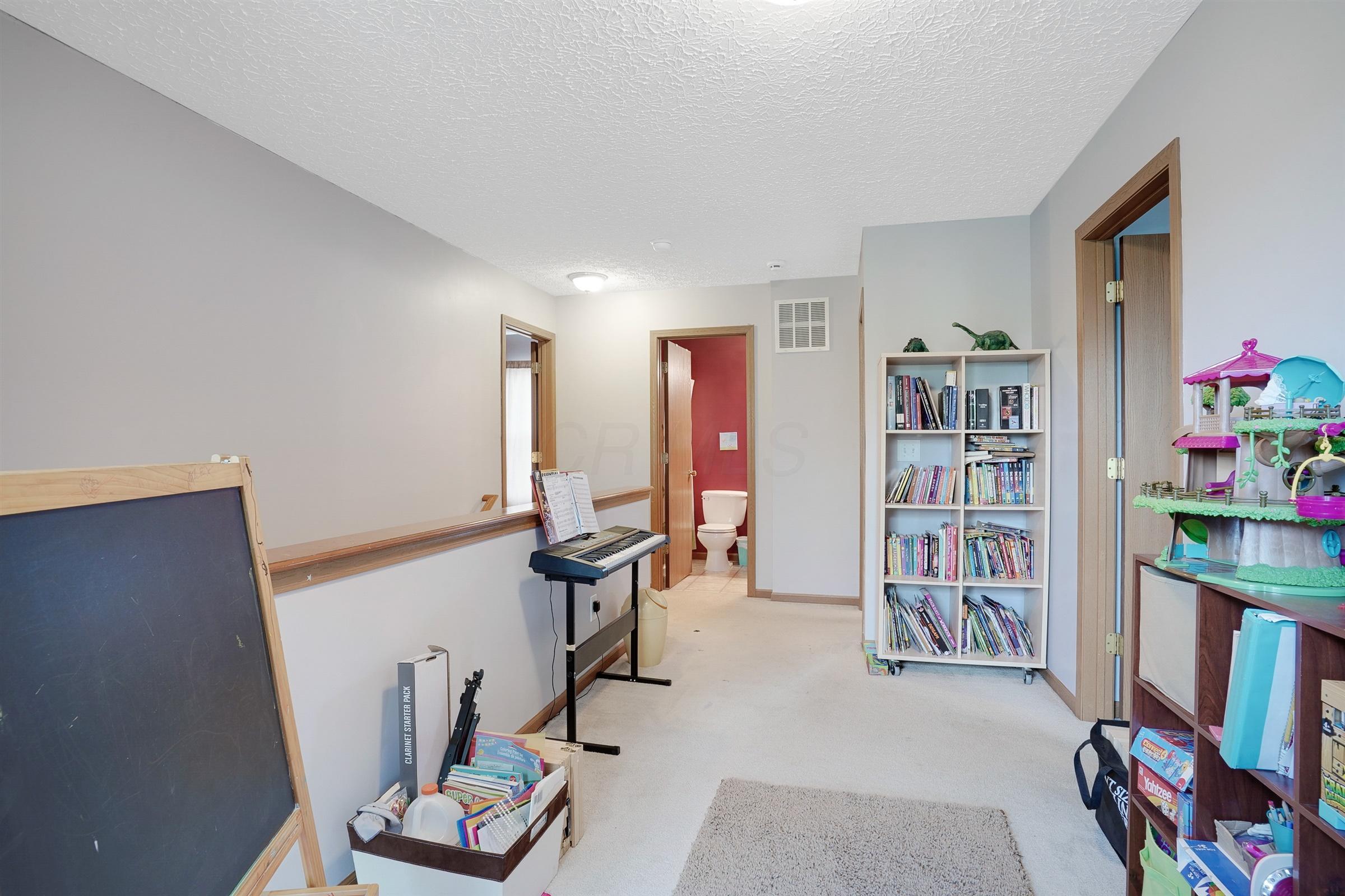 8206 Creekstone Lane, Blacklick, Ohio 43004, 3 Bedrooms Bedrooms, ,3 BathroomsBathrooms,Residential,For Sale,Creekstone,220025812