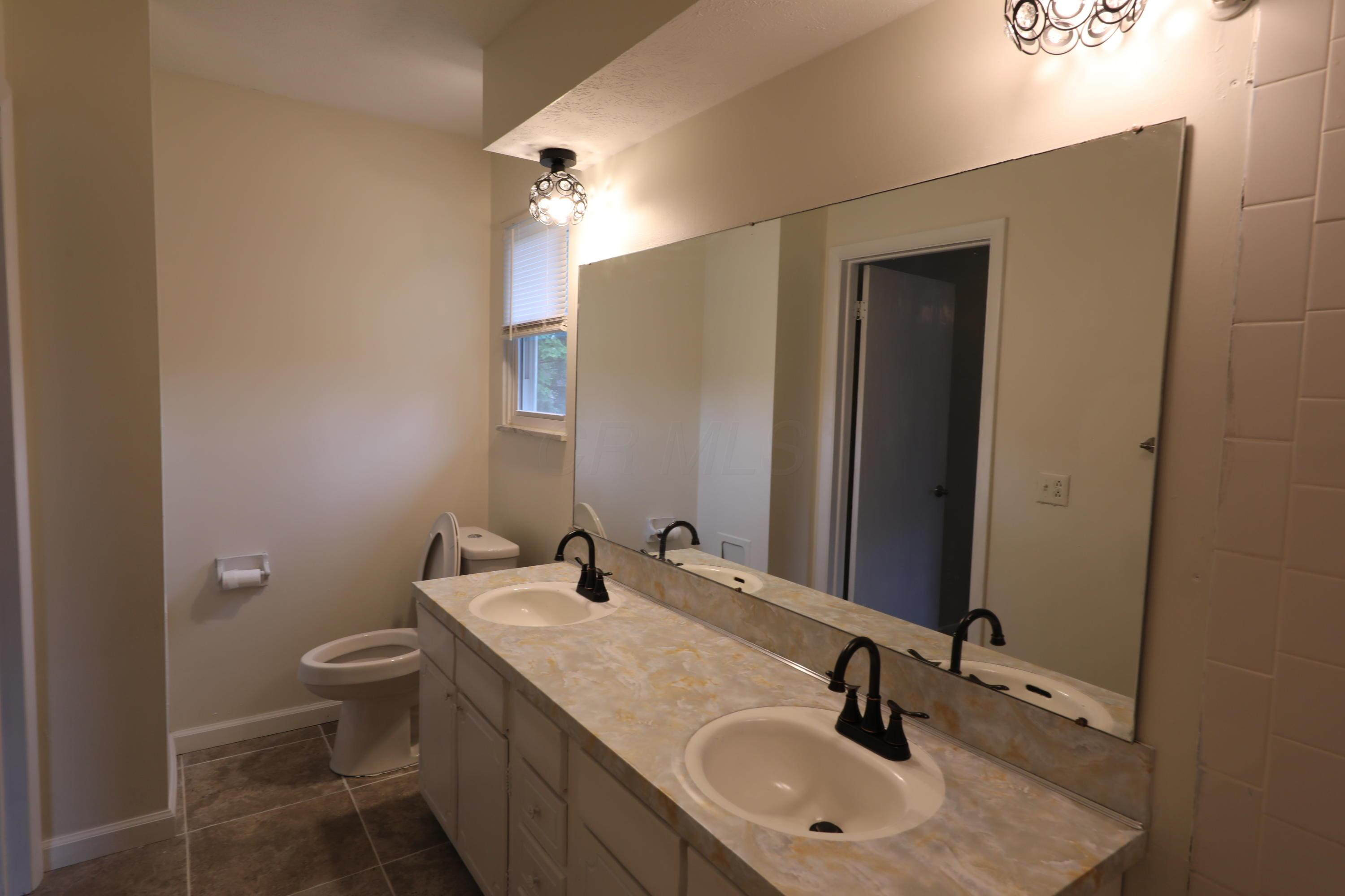 1255 Pepperell Drive, Columbus, Ohio 43235, 4 Bedrooms Bedrooms, ,3 BathroomsBathrooms,Residential,For Sale,Pepperell,220025832