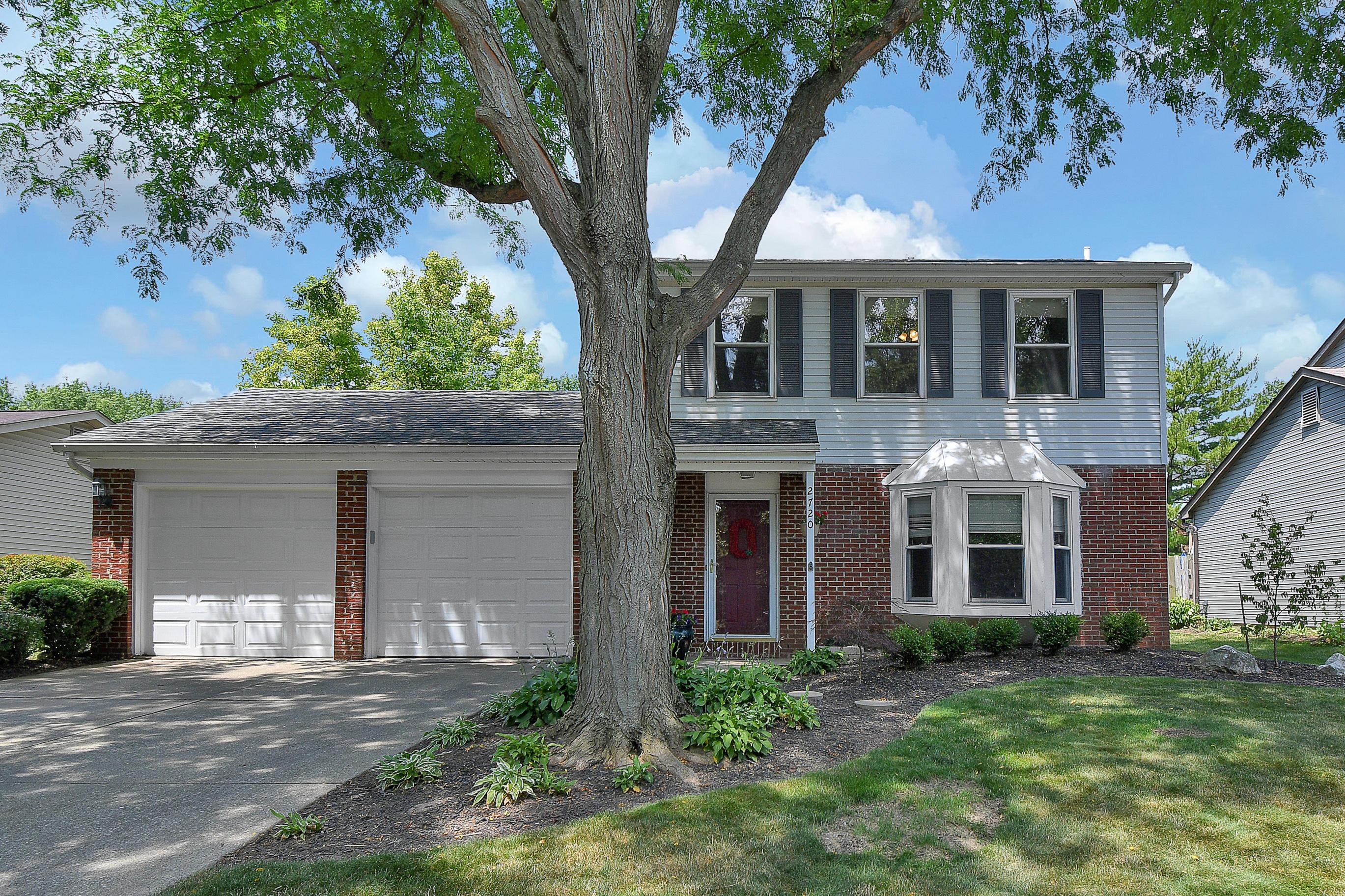2720 Lynnmore Drive, Columbus, Ohio 43235, 3 Bedrooms Bedrooms, ,2 BathroomsBathrooms,Residential,For Sale,Lynnmore,220026371