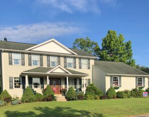 Undefined image of 415 Ridgedale Drive, Circleville, OH 43113