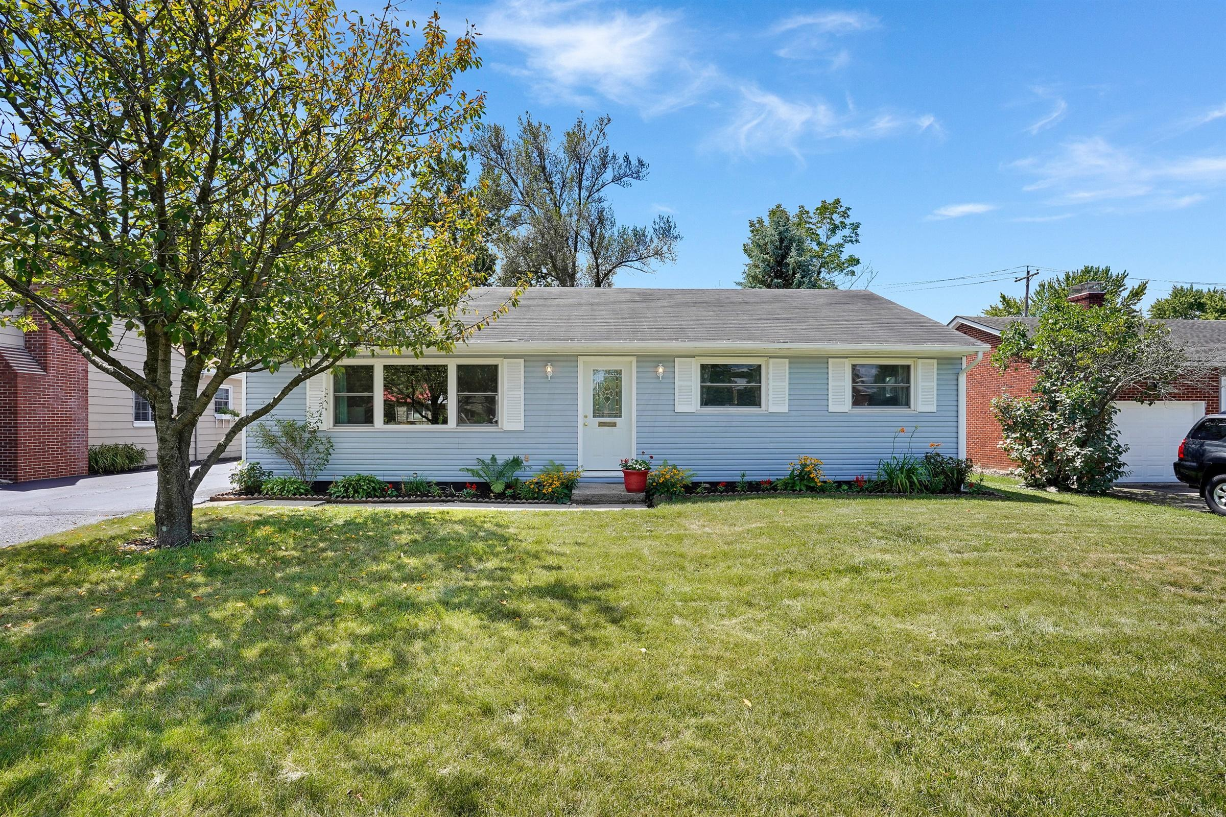 2201 Fishinger Road, Upper Arlington, Ohio 43221, 3 Bedrooms Bedrooms, ,2 BathroomsBathrooms,Residential,For Sale,Fishinger,220026459