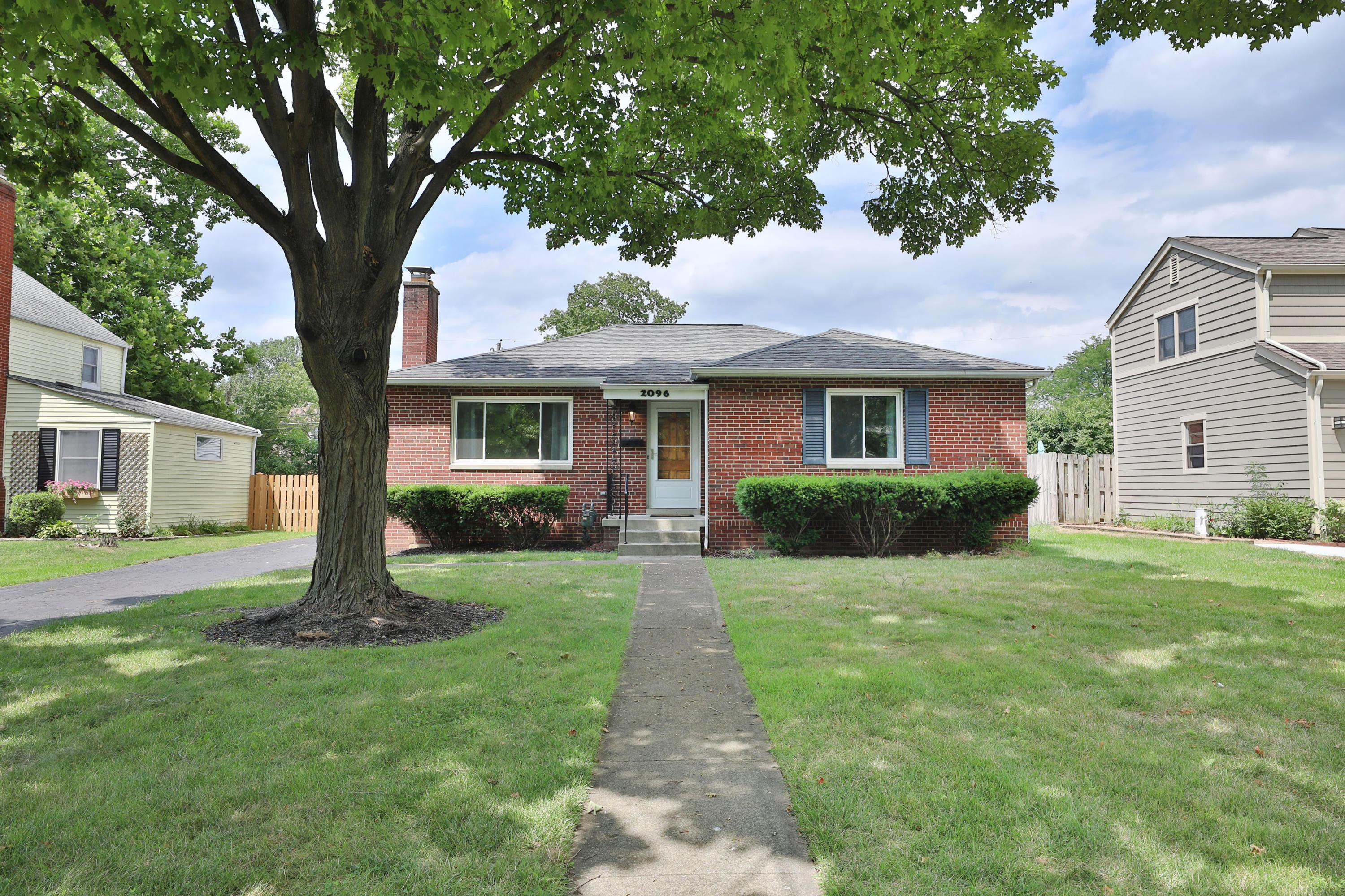Photo of 2096 Inchcliff Road, Columbus, OH 43221