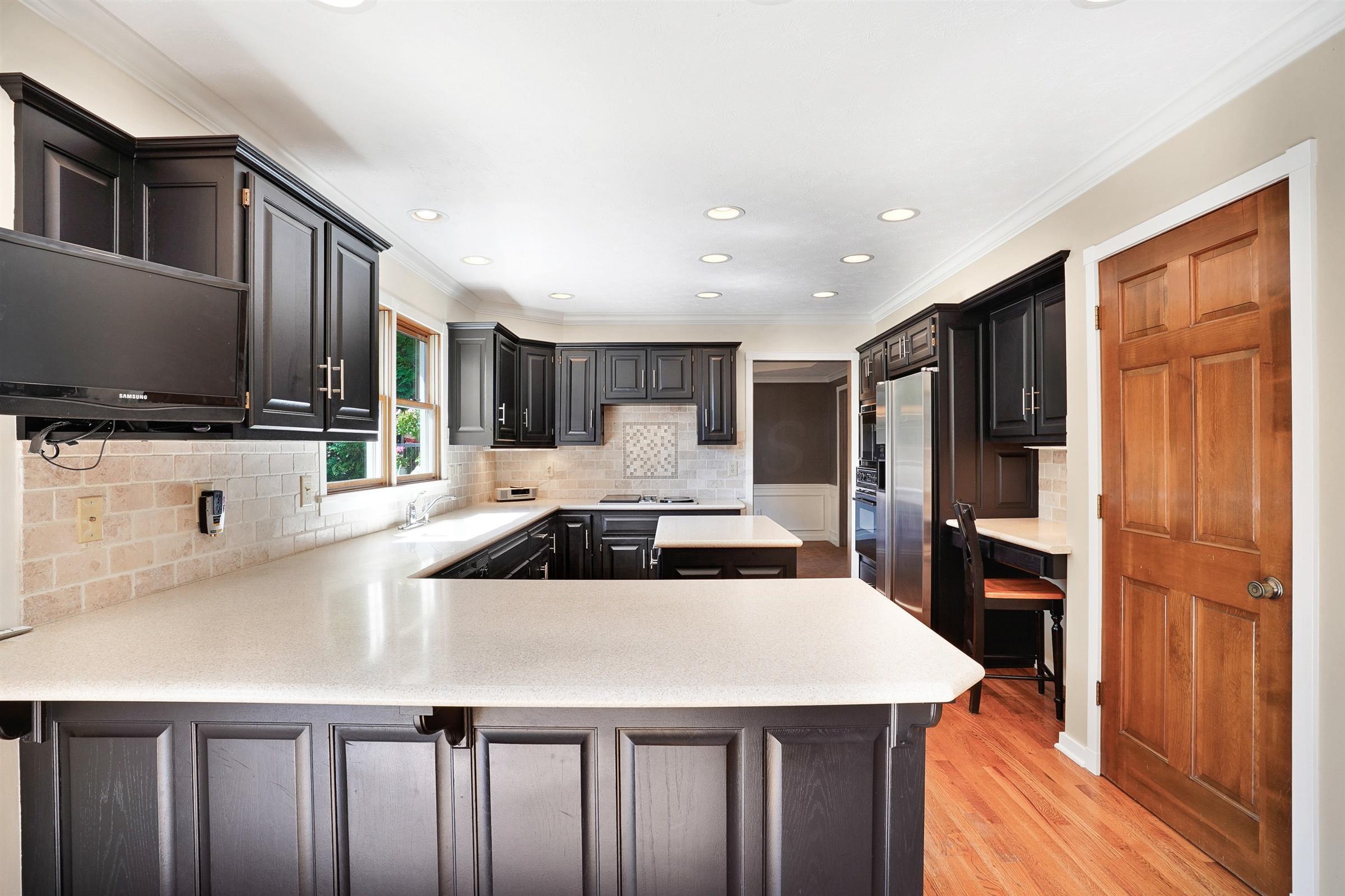 8862 Locherbie Court, Dublin, Ohio 43017, 4 Bedrooms Bedrooms, ,5 BathroomsBathrooms,Residential,For Sale,Locherbie,220025800