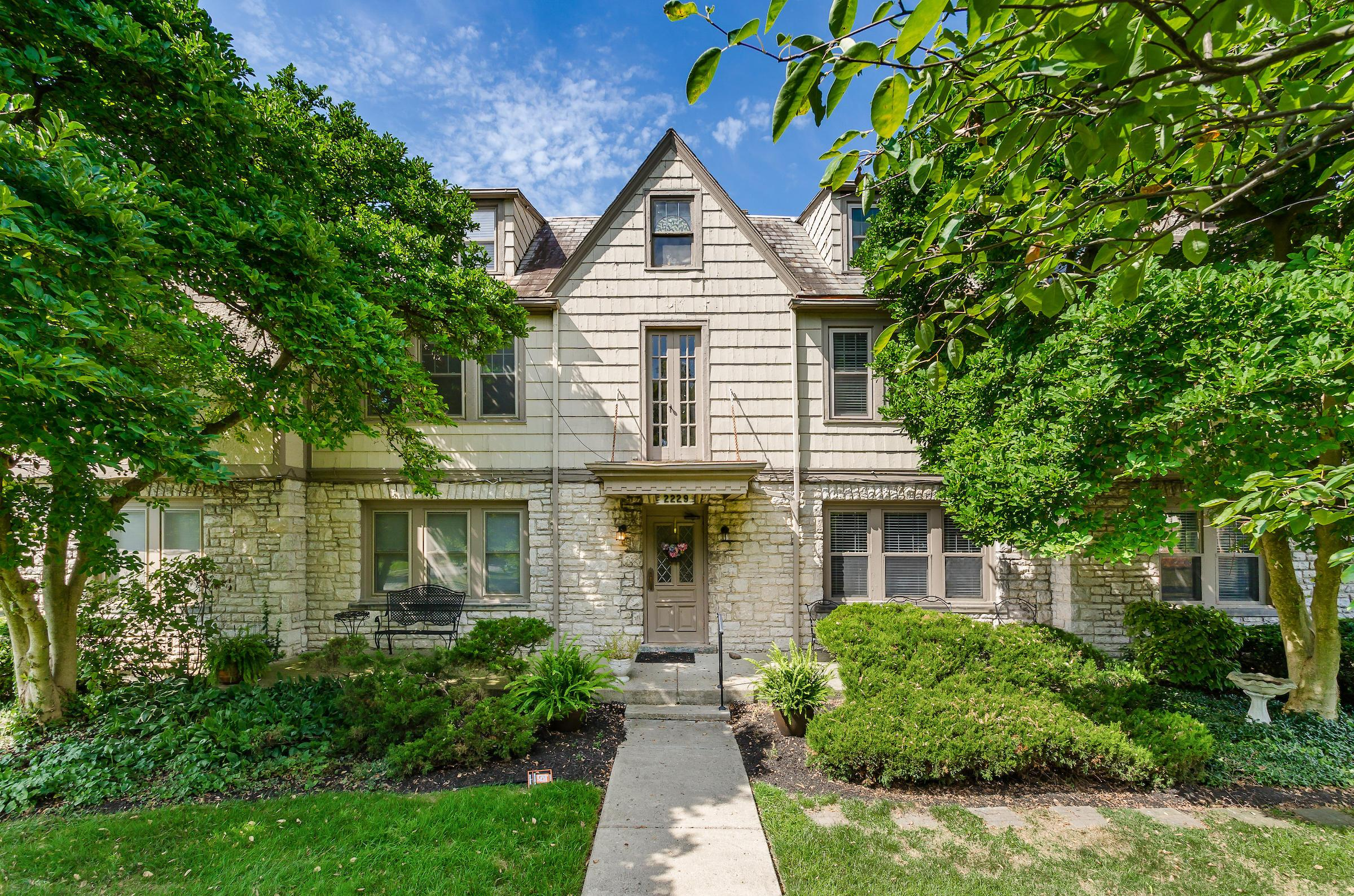 Property for sale at 2229 Coventry Road 5, Upper Arlington, Ohio 43221