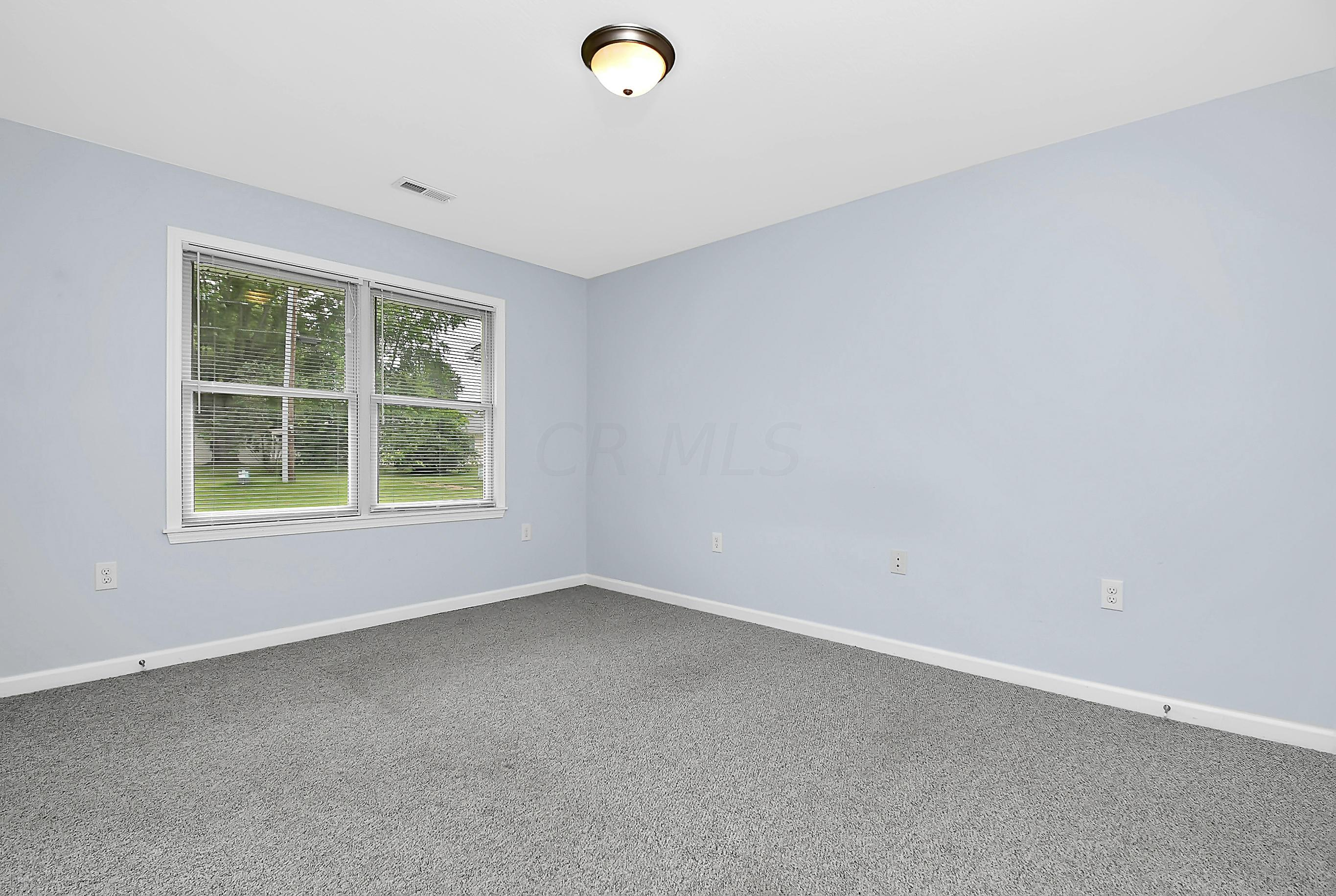 327 Robin Road, Waverly, Ohio 45690, 2 Bedrooms Bedrooms, ,2 BathroomsBathrooms,Residential,For Sale,Robin,220027713