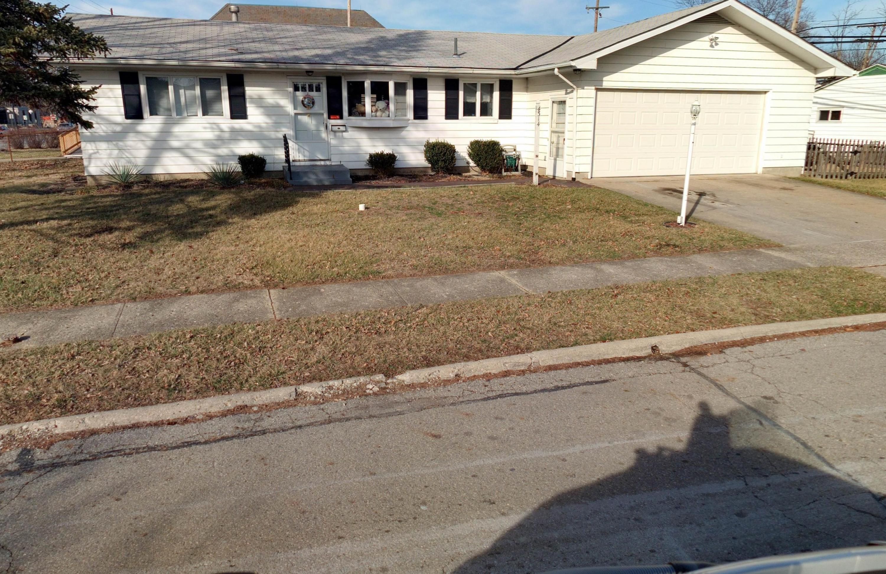 4314 Chandler Drive, Whitehall, Ohio 43213, 3 Bedrooms Bedrooms, ,2 BathroomsBathrooms,Residential,For Sale,Chandler,220029814