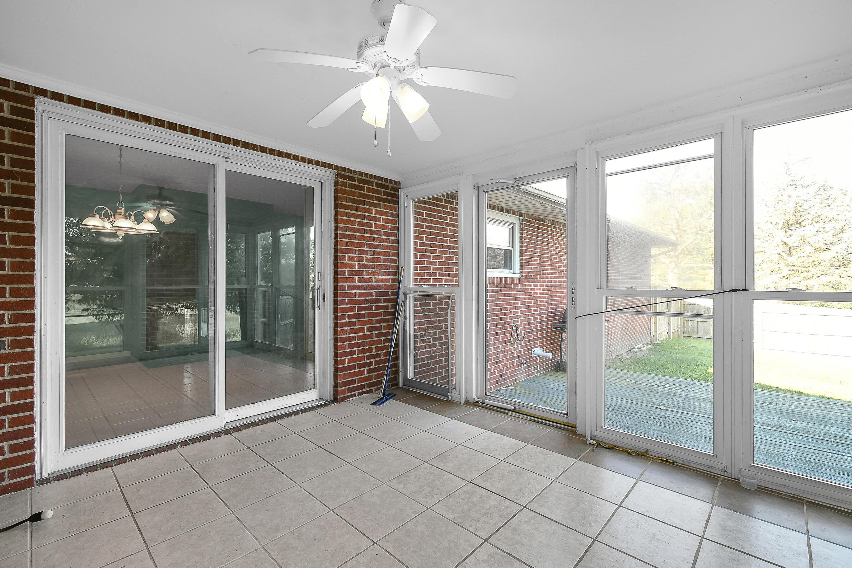 7090 Post Road, Dublin, Ohio 43016, 3 Bedrooms Bedrooms, ,2 BathroomsBathrooms,Residential,For Sale,Post,220030165