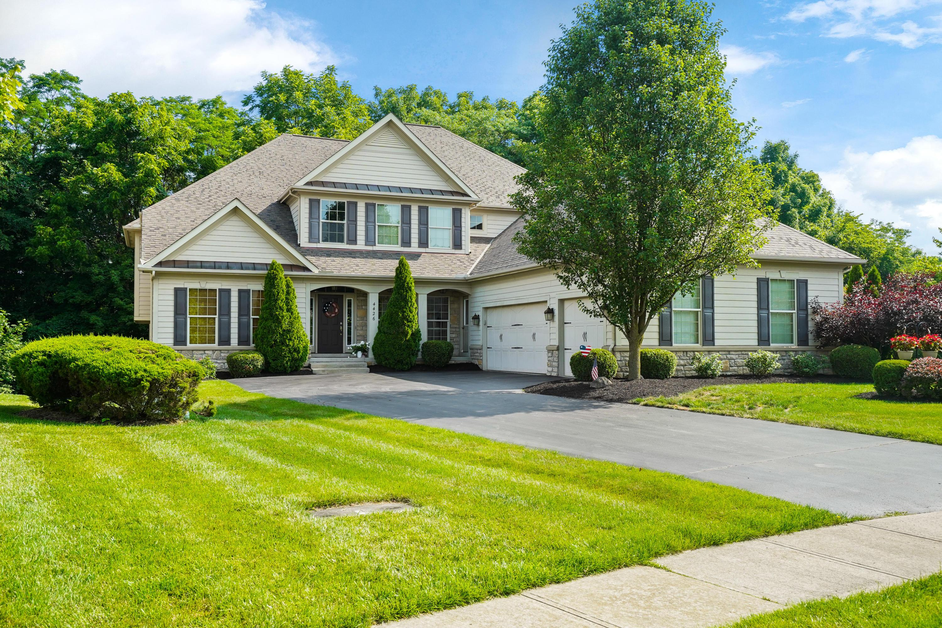 4426 Yellow Wood Drive, Dublin, Ohio 43016, 5 Bedrooms Bedrooms, ,6 BathroomsBathrooms,Residential,For Sale,Yellow Wood,220030841