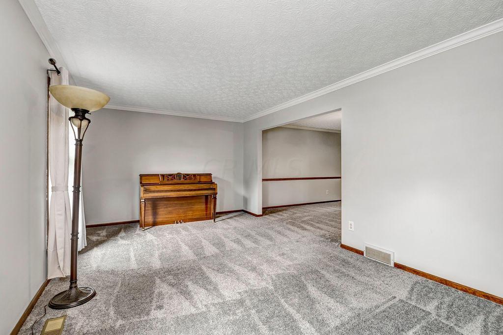 6969 Tralee Drive, Dublin, Ohio 43017, 4 Bedrooms Bedrooms, ,3 BathroomsBathrooms,Residential,For Sale,Tralee,220030946
