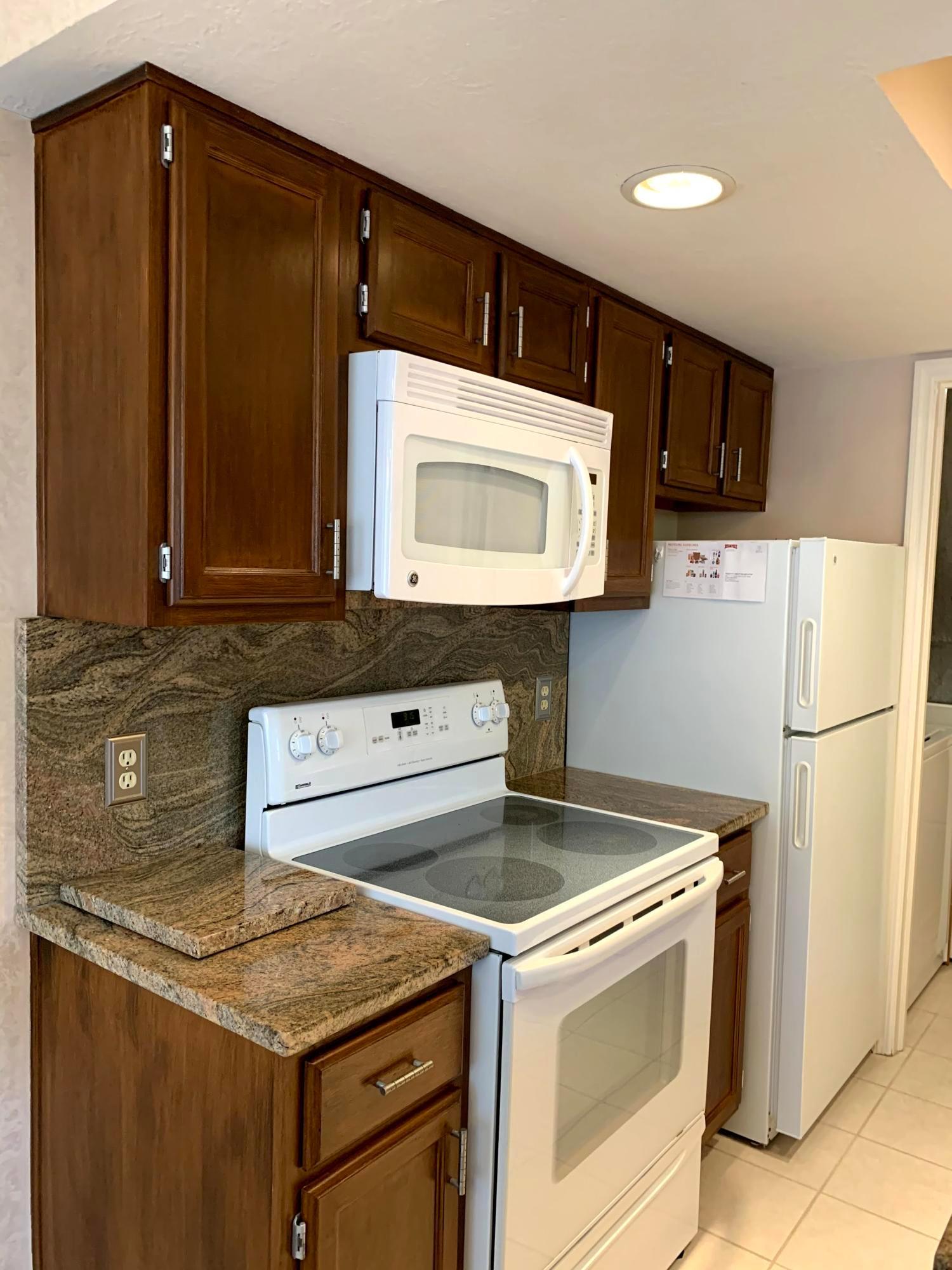 5817 Locbury Lane, Dublin, Ohio 43016, 2 Bedrooms Bedrooms, ,2 BathroomsBathrooms,Residential,For Sale,Locbury,220030948