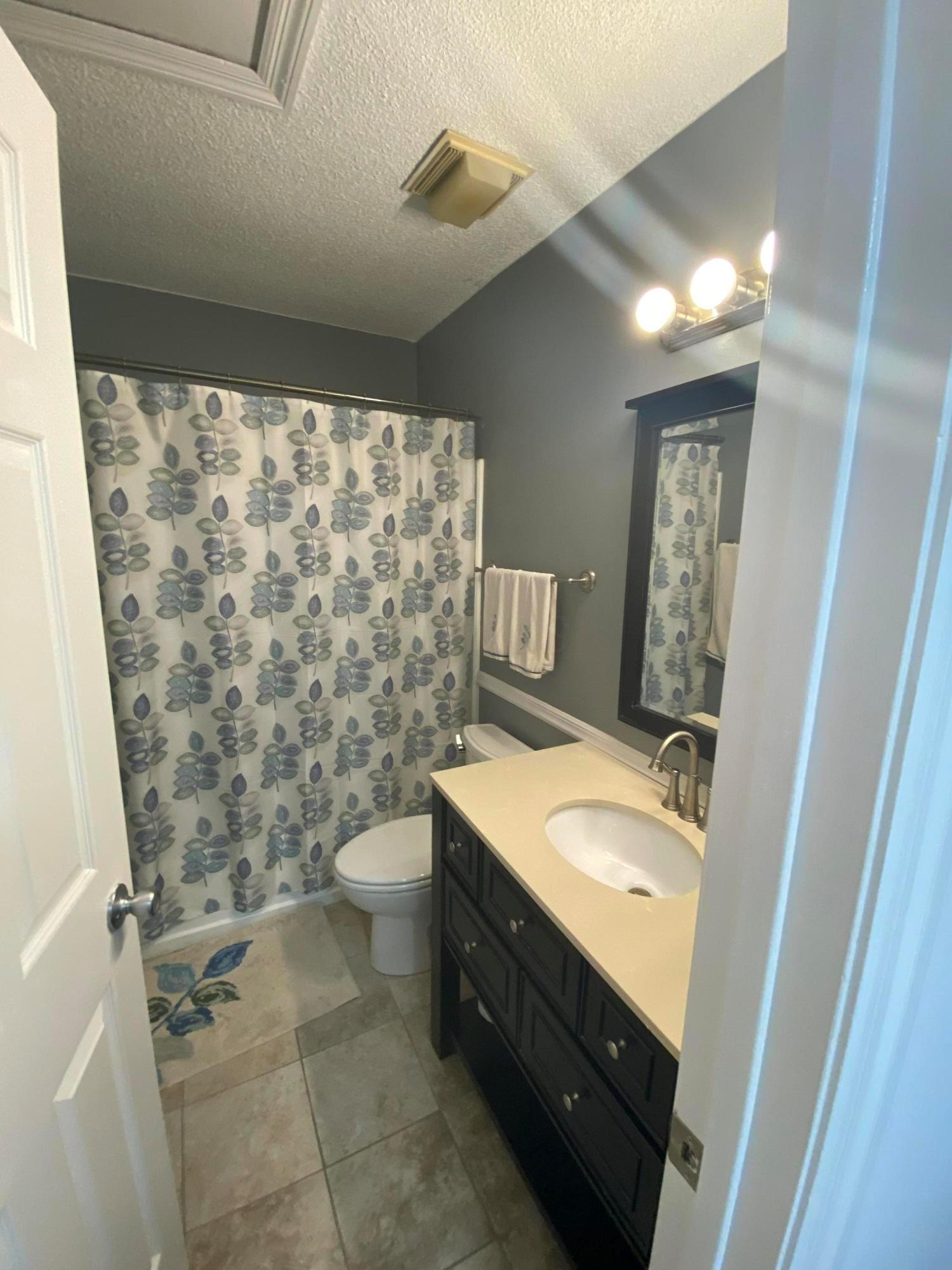 2561 Gardenia Drive, Columbus, Ohio 43235, 2 Bedrooms Bedrooms, ,2 BathroomsBathrooms,Residential,For Sale,Gardenia,220031004