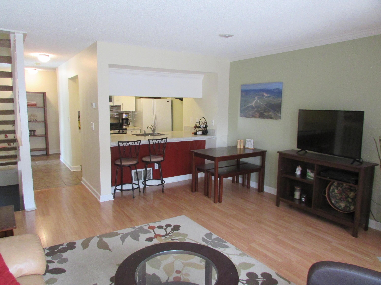 2567 Poppy Lane, Columbus, Ohio 43235, 2 Bedrooms Bedrooms, ,3 BathroomsBathrooms,Residential,For Sale,Poppy,220031343