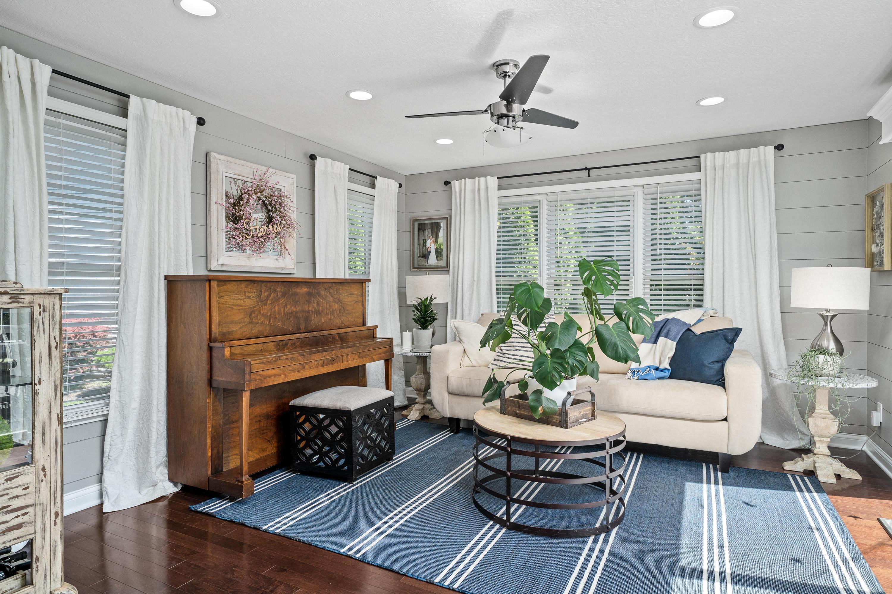 5860 Sandy Rings Lane, Dublin, Ohio 43016, 3 Bedrooms Bedrooms, ,4 BathroomsBathrooms,Residential,For Sale,Sandy Rings,220031071