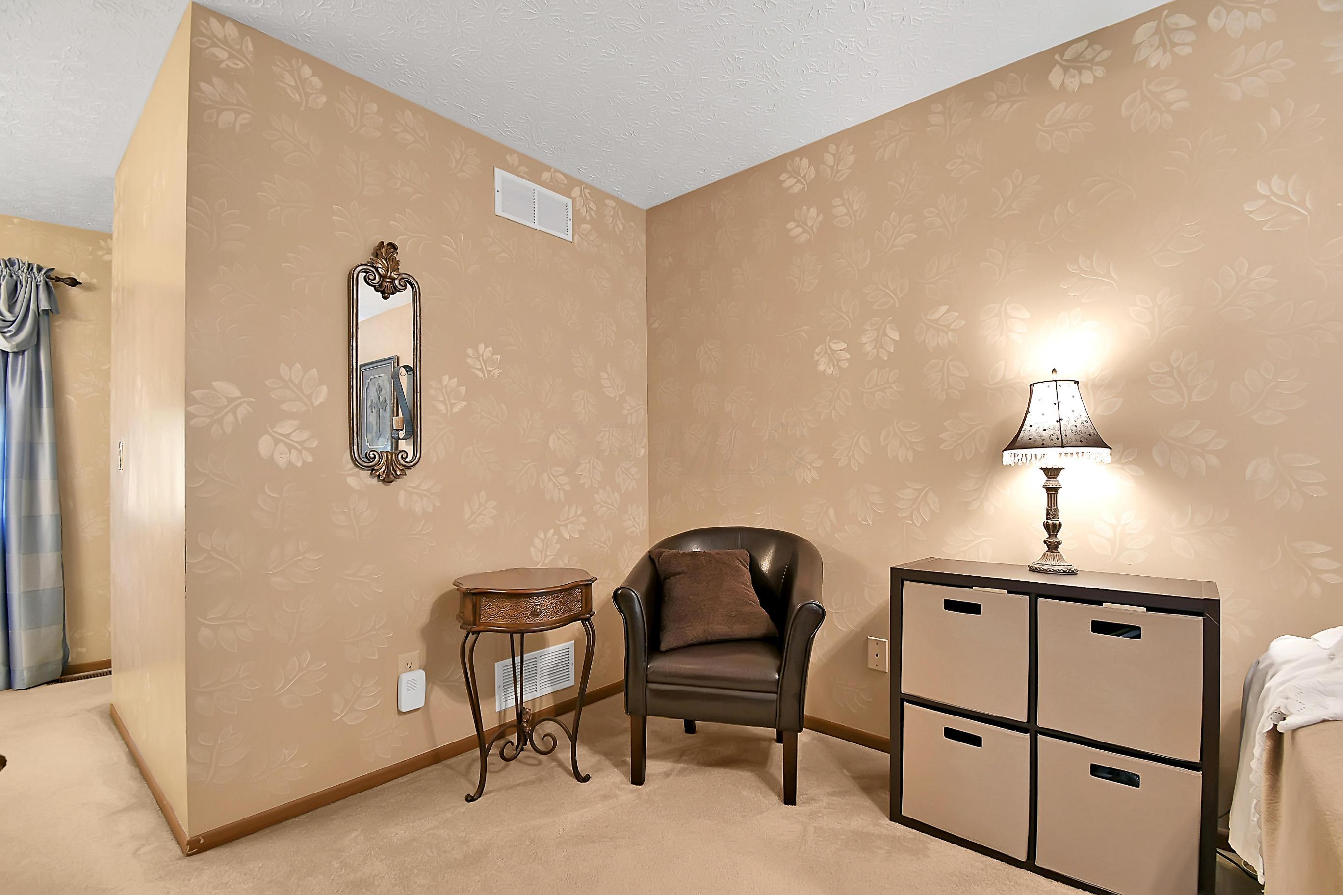 1003 Welwyn Drive, Westerville, Ohio 43081, 4 Bedrooms Bedrooms, ,3 BathroomsBathrooms,Residential,For Sale,Welwyn,220031145