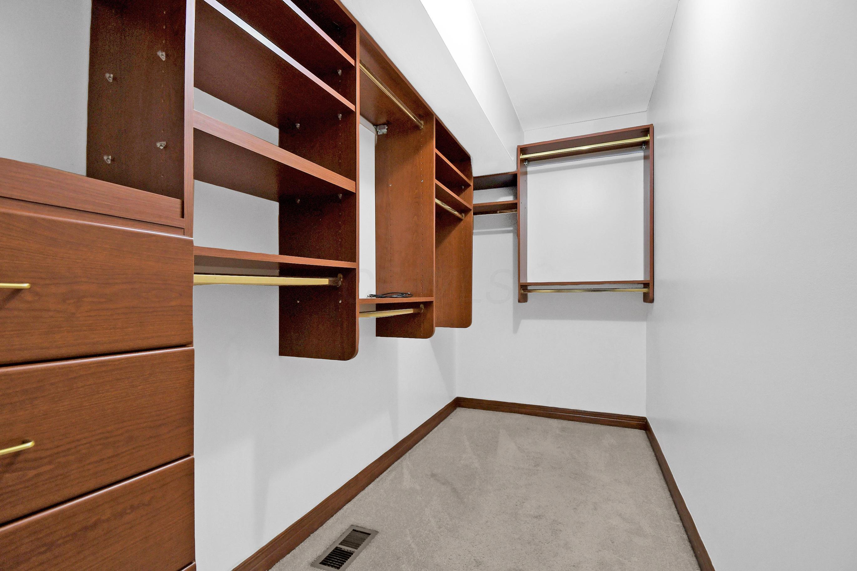6036 Glenfinnan Court, Dublin, Ohio 43017, 4 Bedrooms Bedrooms, ,5 BathroomsBathrooms,Residential,For Sale,Glenfinnan,220018622