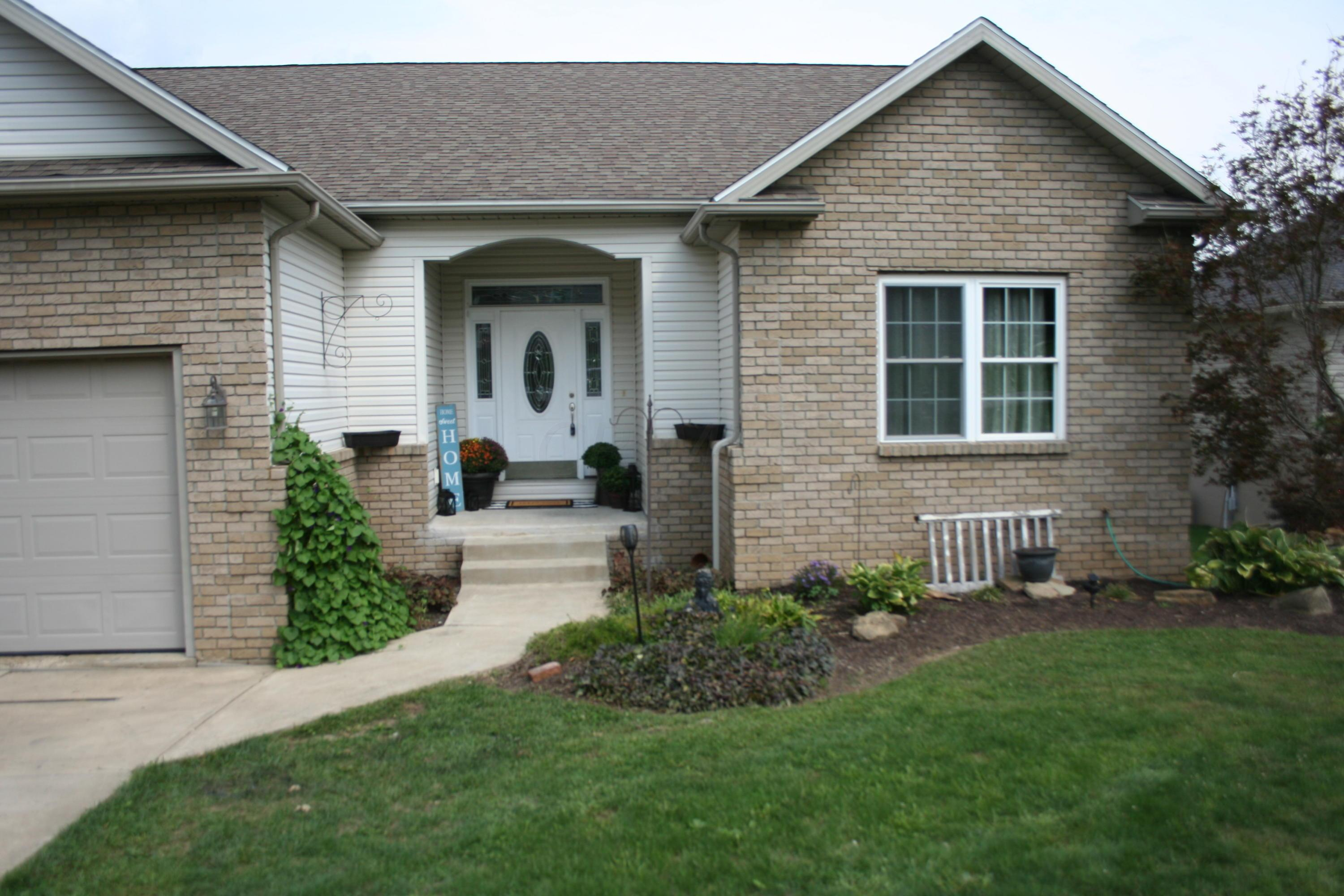 Property for sale at 994 Country Club Drive, Howard,  Ohio 43028
