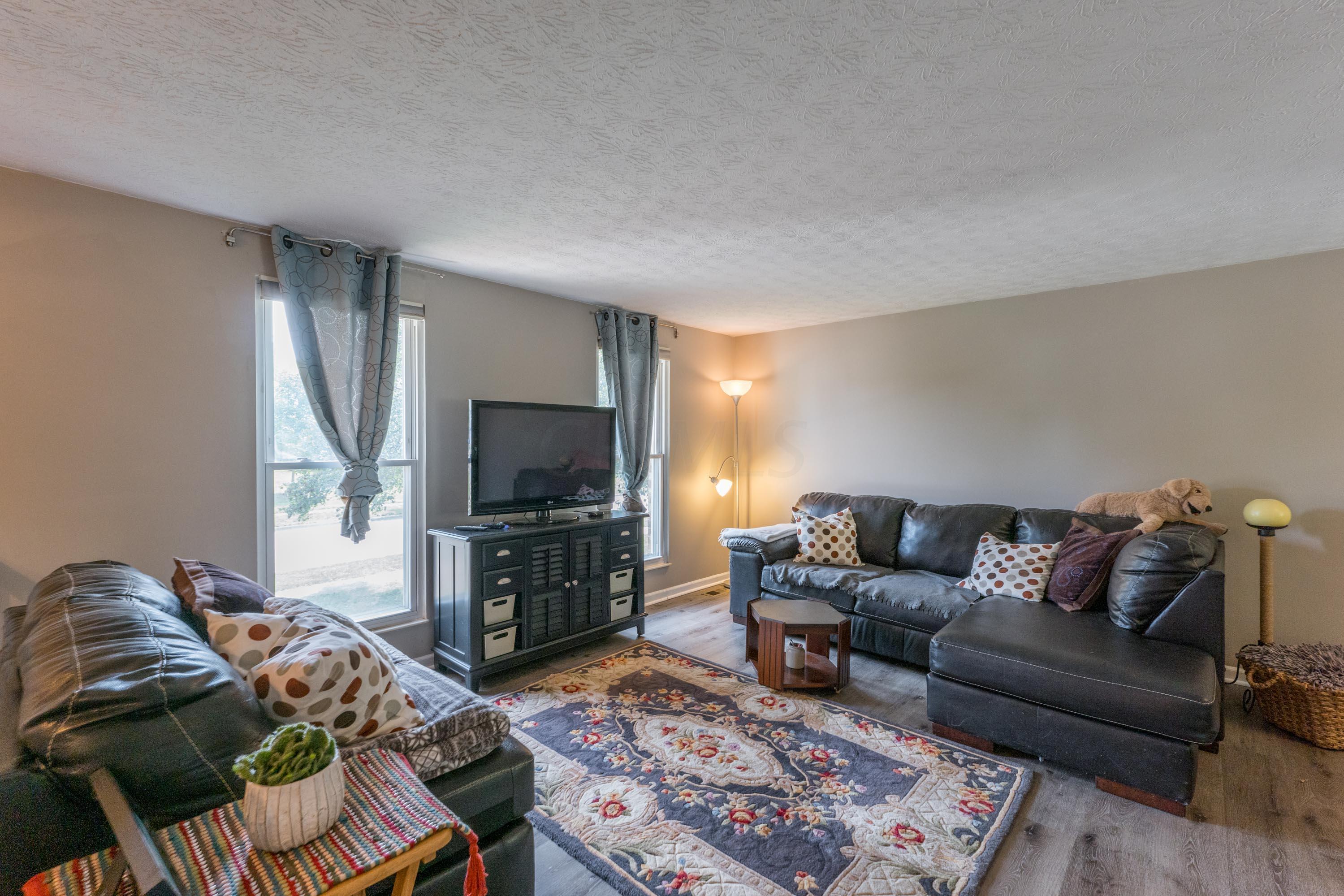 6245 Rockland Drive, Dublin, Ohio 43017, 3 Bedrooms Bedrooms, ,3 BathroomsBathrooms,Residential,For Sale,Rockland,220031273