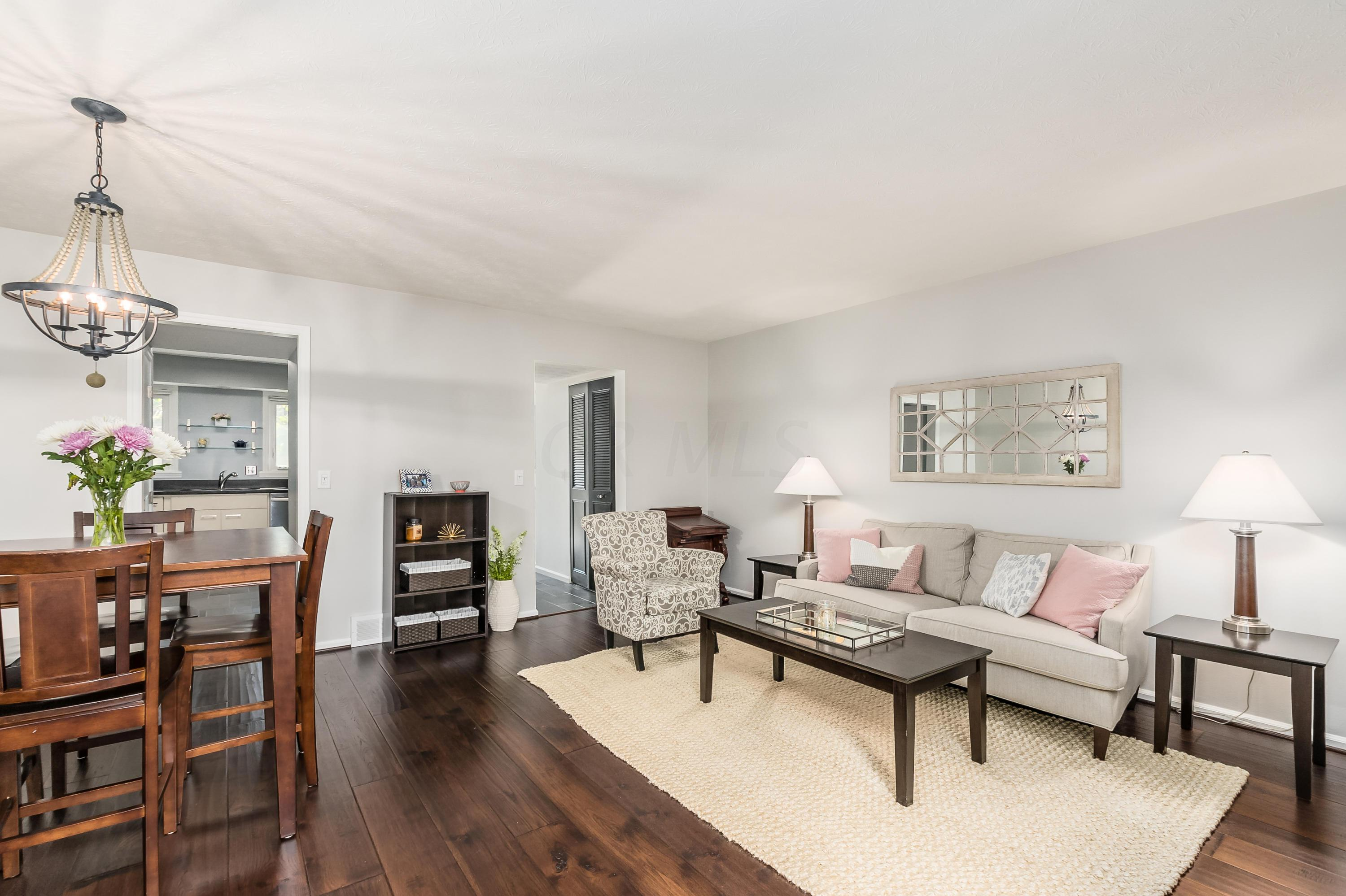 2802 Churchill Drive, Upper Arlington, Ohio 43221, 2 Bedrooms Bedrooms, ,2 BathroomsBathrooms,Residential,For Sale,Churchill,220031296