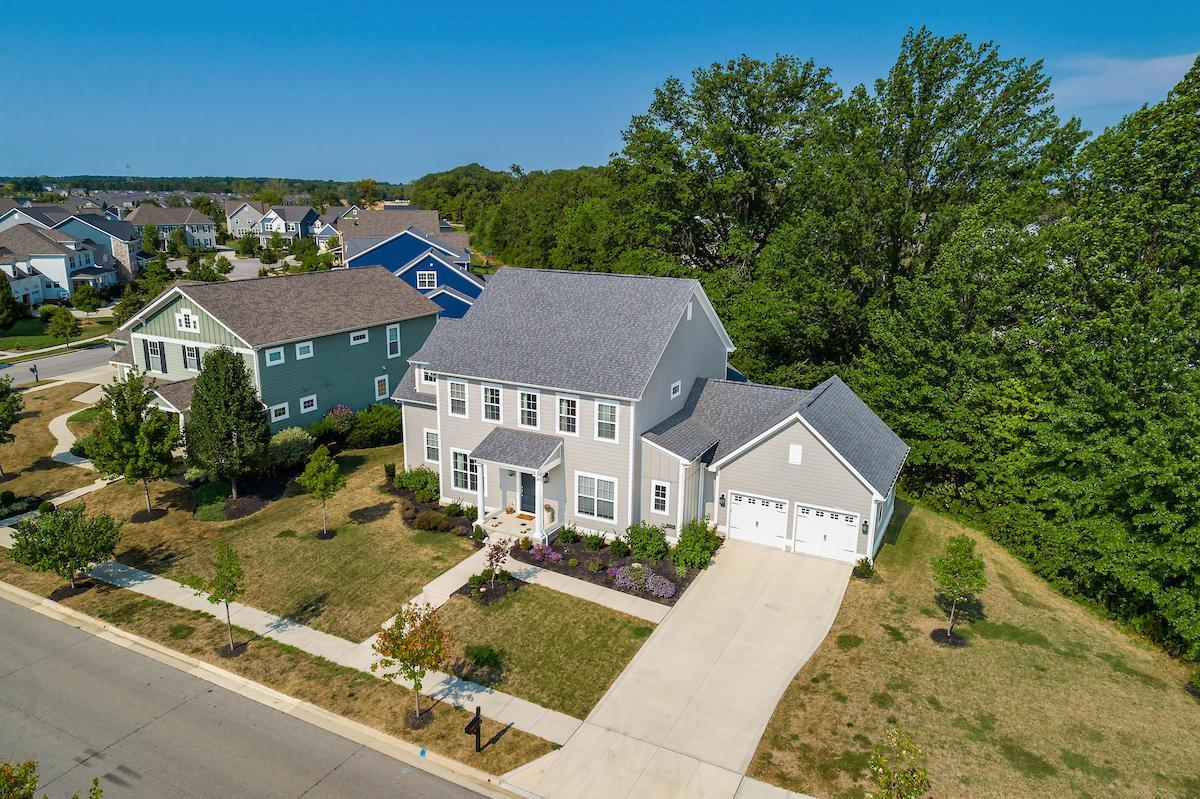 10685 Honeysuckle Road, Plain City, Ohio 43064, 4 Bedrooms Bedrooms, ,4 BathroomsBathrooms,Residential,For Sale,Honeysuckle,220031514