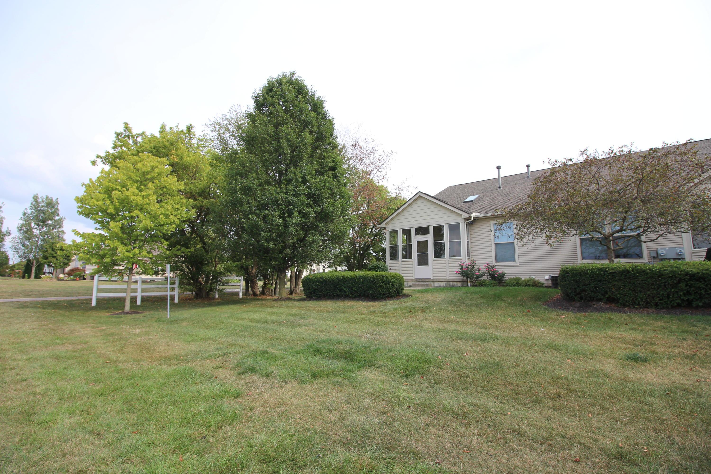 5990 Coventry Bend Drive, Hilliard, Ohio 43026, 2 Bedrooms Bedrooms, ,2 BathroomsBathrooms,Residential,For Sale,Coventry Bend,220031486