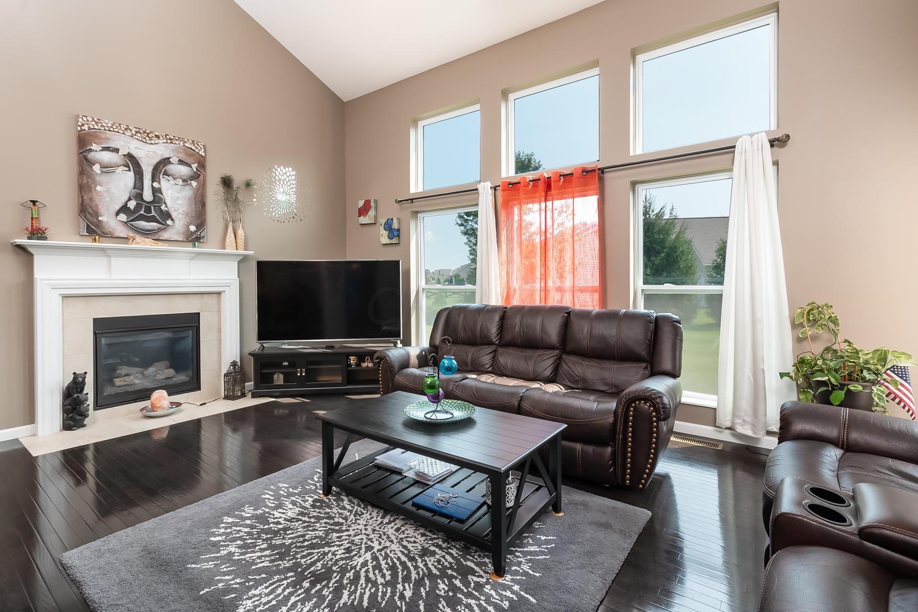 811 Maple Vista Drive, Delaware, Ohio 43015, 4 Bedrooms Bedrooms, ,3 BathroomsBathrooms,Residential,For Sale,Maple Vista,220031565
