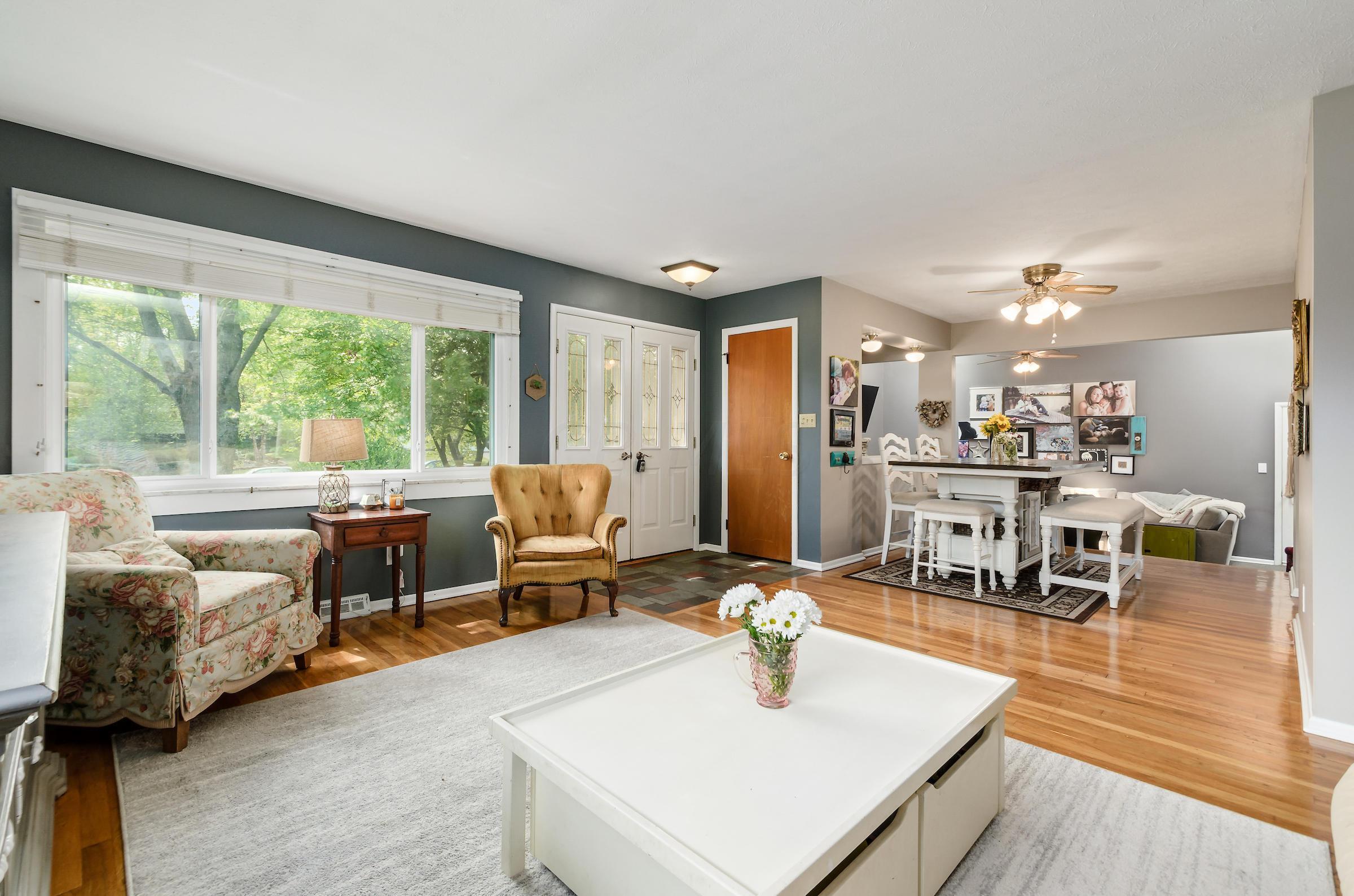 3784 Ridgewood Drive, Hilliard, Ohio 43026, 3 Bedrooms Bedrooms, ,2 BathroomsBathrooms,Residential,For Sale,Ridgewood,220031566