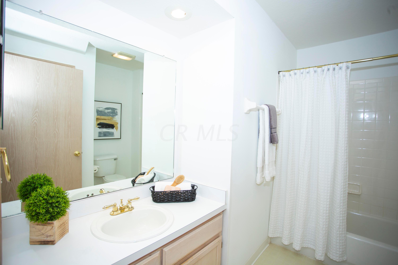 6609 Heatherstone Circle, Dublin, Ohio 43017, 3 Bedrooms Bedrooms, ,2 BathroomsBathrooms,Residential,For Sale,Heatherstone,220031498