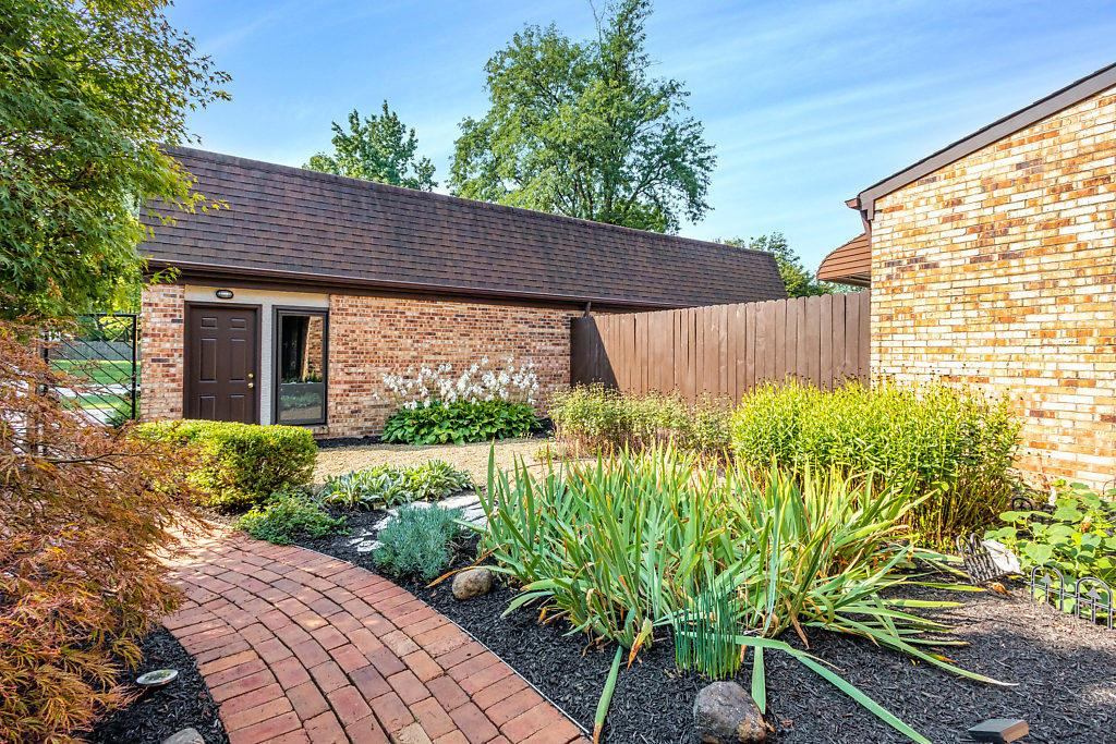 1686 Arlingate Drive, Columbus, Ohio 43220, 3 Bedrooms Bedrooms, ,3 BathroomsBathrooms,Residential,For Sale,Arlingate,220031524
