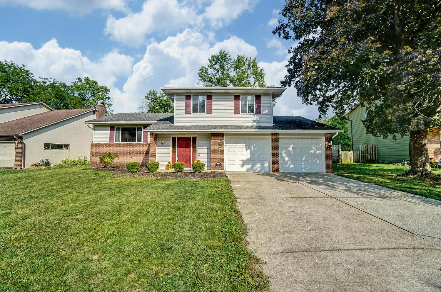 1392 Brenthaven Place, Columbus, Ohio 43228, 3 Bedrooms Bedrooms, ,3 BathroomsBathrooms,Residential,For Sale,Brenthaven,220031761