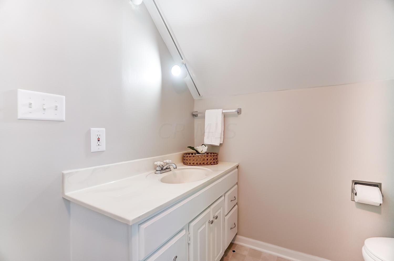 117 Sharon Springs Drive, Worthington, Ohio 43085, 3 Bedrooms Bedrooms, ,2 BathroomsBathrooms,Residential,For Sale,Sharon Springs,220031824