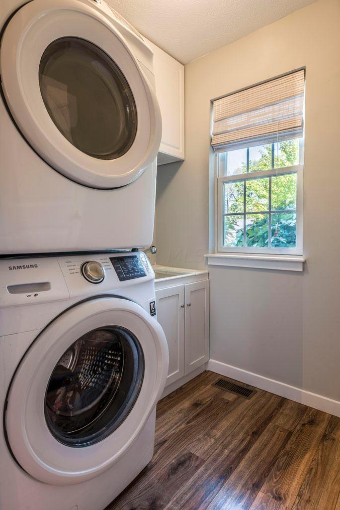 85 Muskingum Drive, Powell, Ohio 43065, 5 Bedrooms Bedrooms, ,4 BathroomsBathrooms,Residential,For Sale,Muskingum,220031899