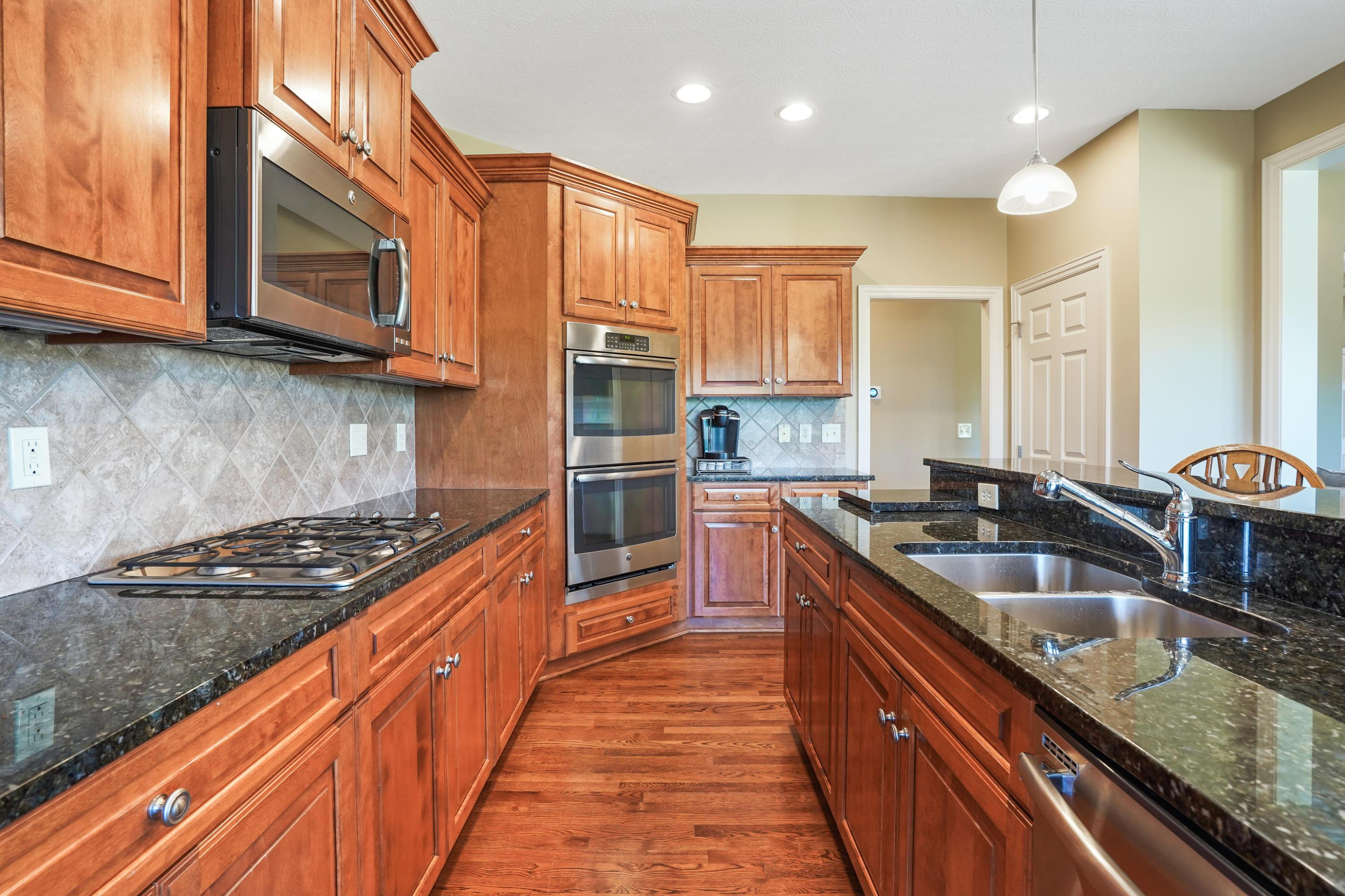 8126 Campbell Lane, Dublin, Ohio 43017, 4 Bedrooms Bedrooms, ,3 BathroomsBathrooms,Residential,For Sale,Campbell,220032235