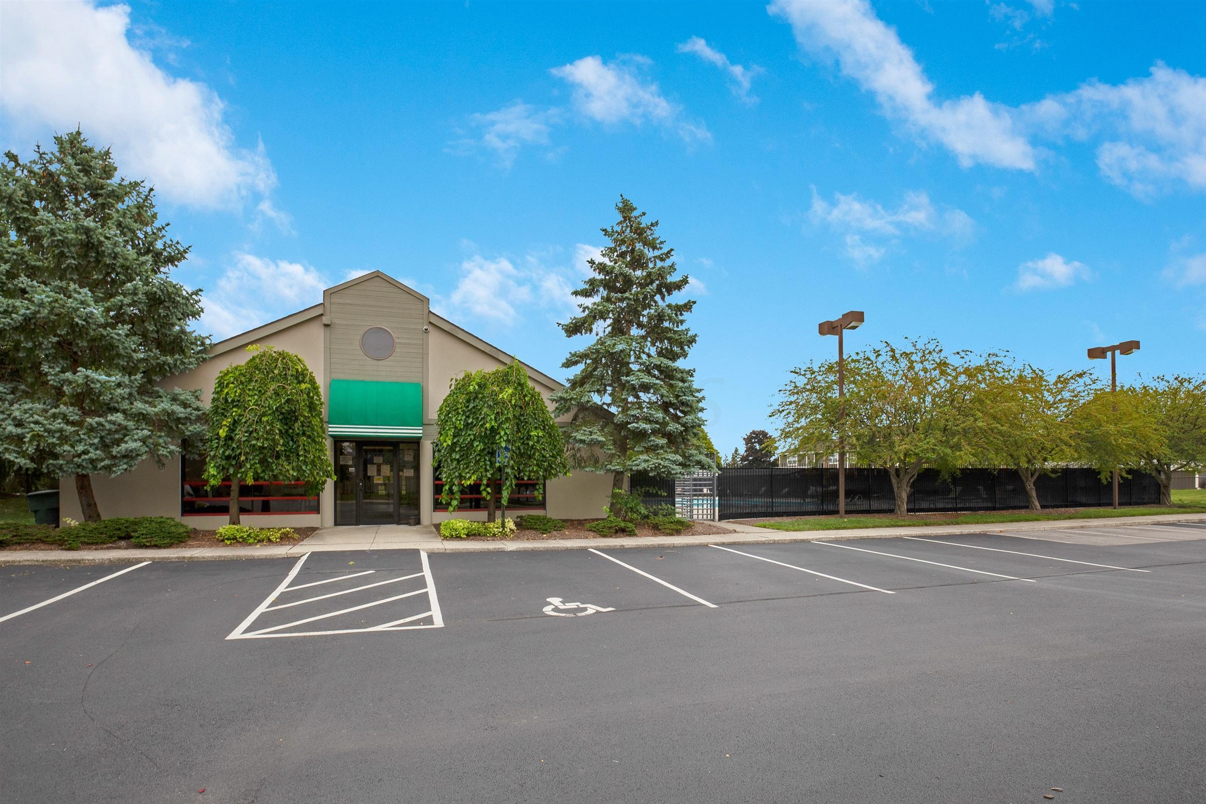 5594 Wigmore Drive, Columbus, Ohio 43235, 2 Bedrooms Bedrooms, ,3 BathroomsBathrooms,Residential,For Sale,Wigmore,220031979