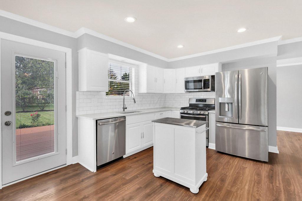 1700 Twin Oaks Drive, Powell, Ohio 43065, 3 Bedrooms Bedrooms, ,2 BathroomsBathrooms,Residential,For Sale,Twin Oaks,220032256