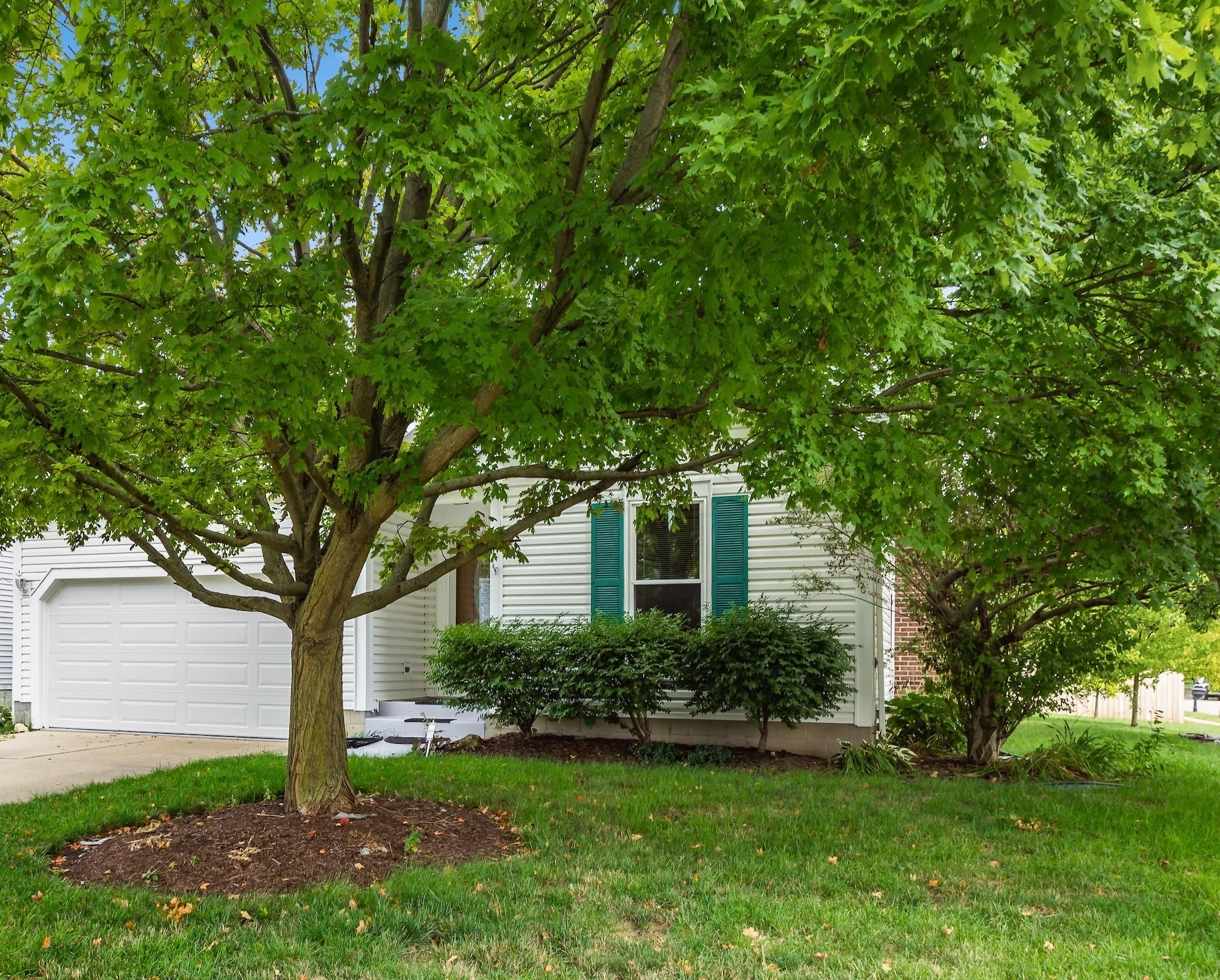 2754 Lyndley Court, Hilliard, Ohio 43026, 3 Bedrooms Bedrooms, ,2 BathroomsBathrooms,Residential,For Sale,Lyndley,220032186
