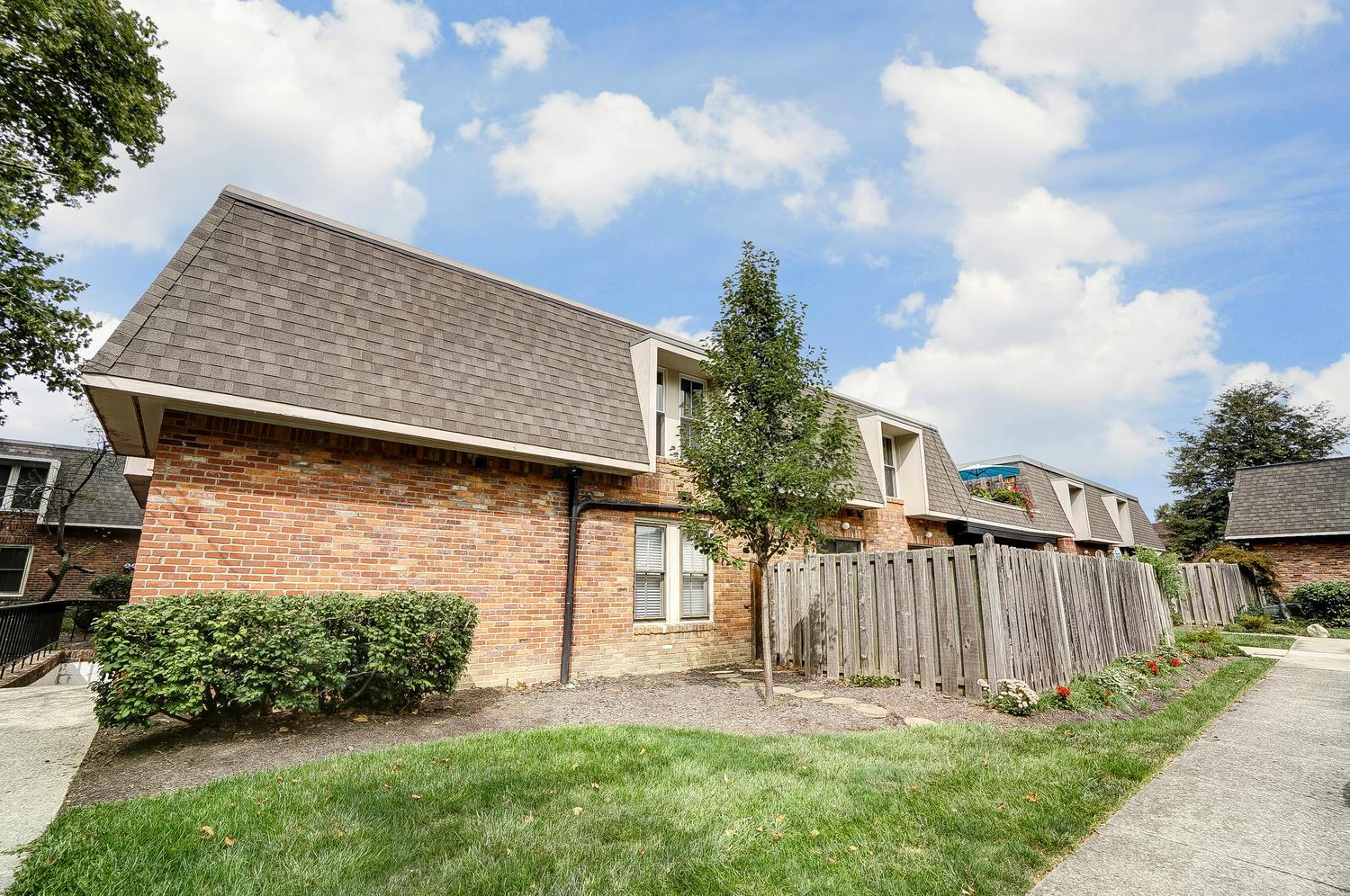 1504 Lafayette Drive, Columbus, Ohio 43220, 3 Bedrooms Bedrooms, ,2 BathroomsBathrooms,Residential,For Sale,Lafayette,220032232