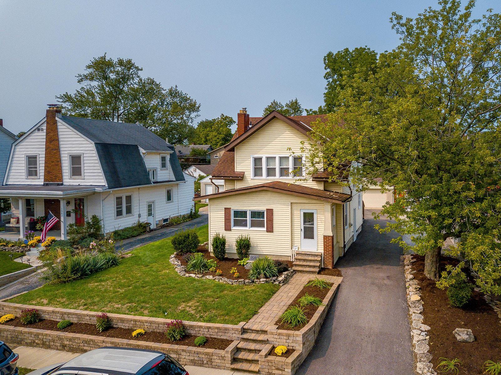 1581 Wyandotte Road, Grandview Heights, Ohio 43212, 3 Bedrooms Bedrooms, ,2 BathroomsBathrooms,Residential,For Sale,Wyandotte,220032223