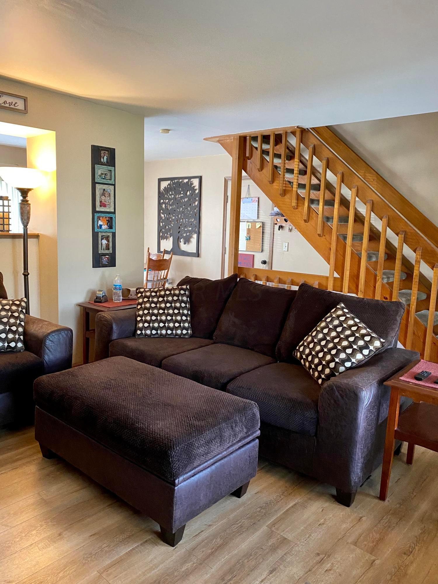 1232 Cedarledge Lane, Galloway, Ohio 43119, 3 Bedrooms Bedrooms, ,1 BathroomBathrooms,Residential,For Sale,Cedarledge,220032307